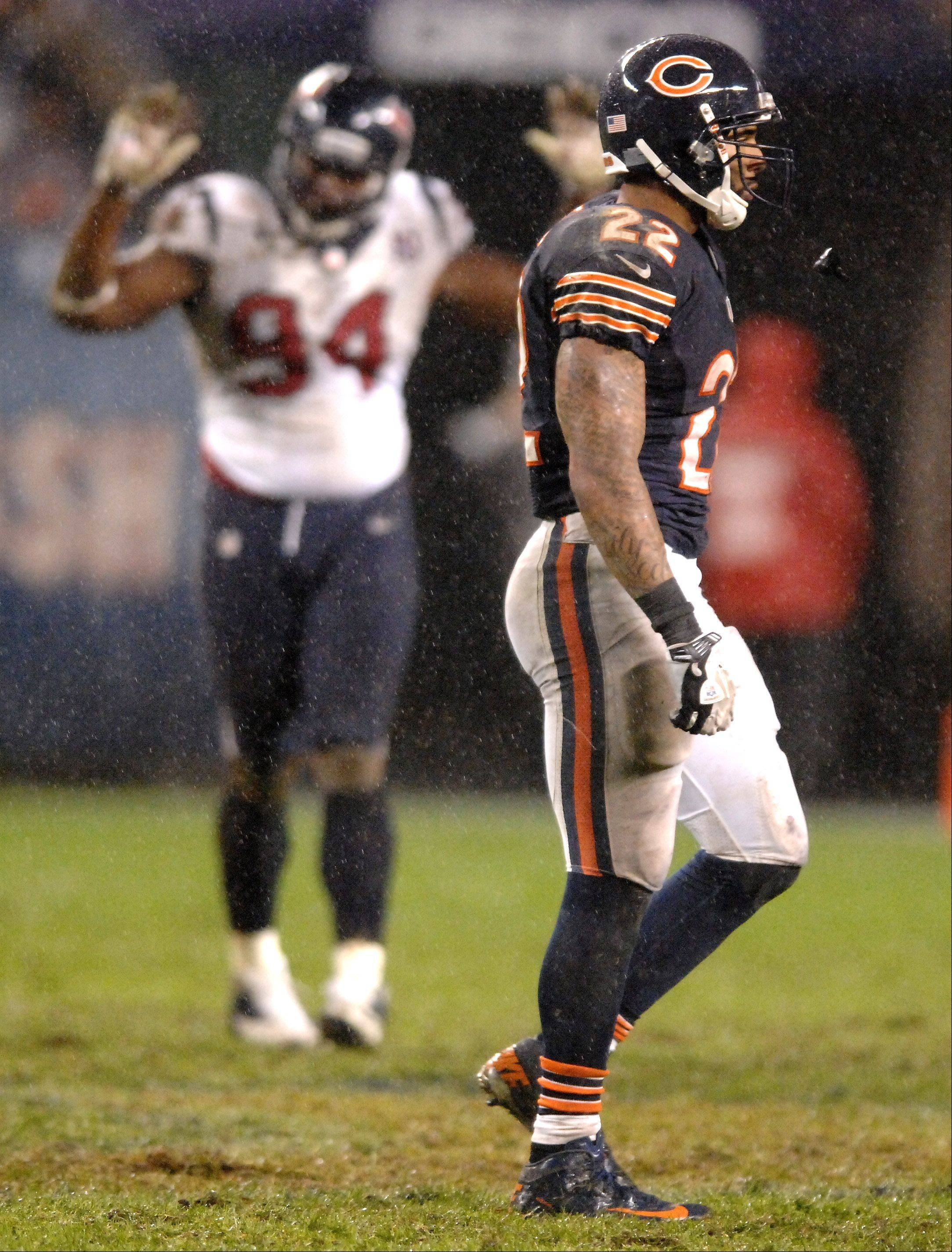 Running back Matt Forte walks off the field after the Bears failed to convert on fourth down on their final possession during the loss to the Texans earlier this month.