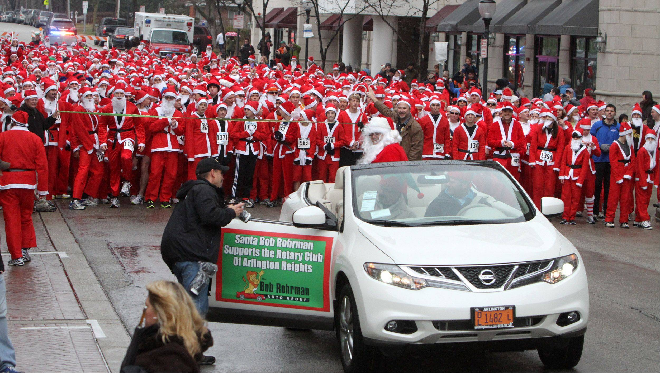 Bob Rohrman as Santa Claus was the celebrity race-starter in 2011.