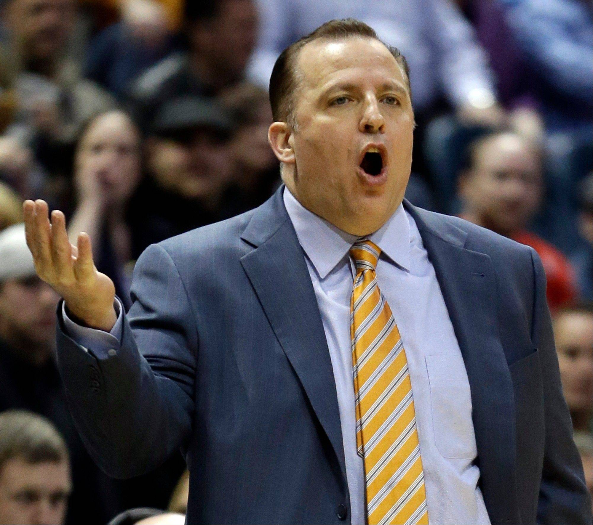 Bulls coach Tom Thibodeau seems to have been delivering a message to his bosses by not playing his reserves late in Monday night's loss to the Bucks.