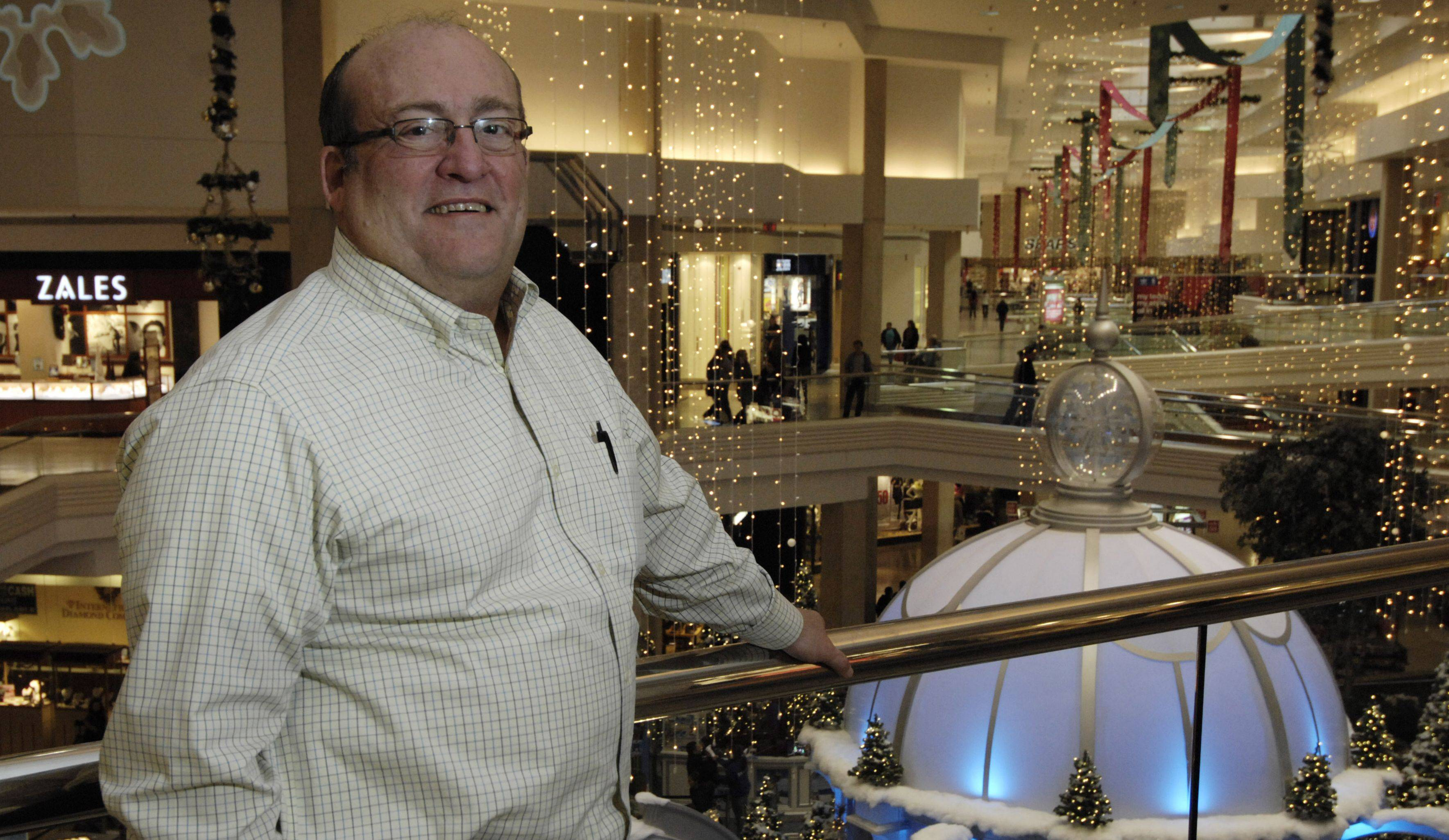 After 12 holiday shopping seasons as general manager of Woodfield Mall in Schaumburg, Marc Strich will be transferring in January to another Taubman Co. mall in Palm Beach, Fla.