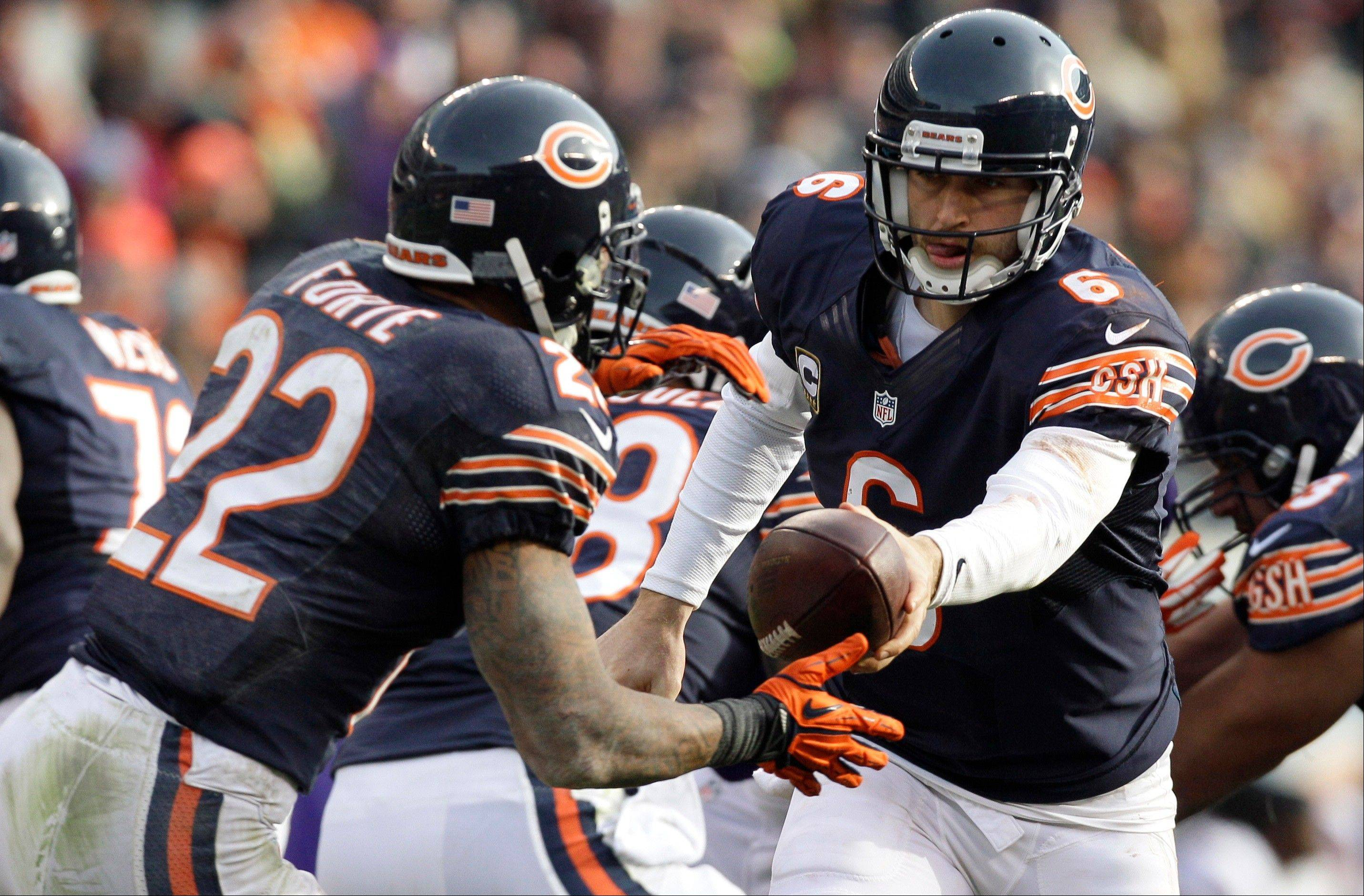 Good news for Bears fans: they should see running back Matt Forte take quite a few handoffs from quarterback Jay Cutler on Sunday against the Seahawks at Soldier Field. Forte's ankle injury has improved and he expects to play.