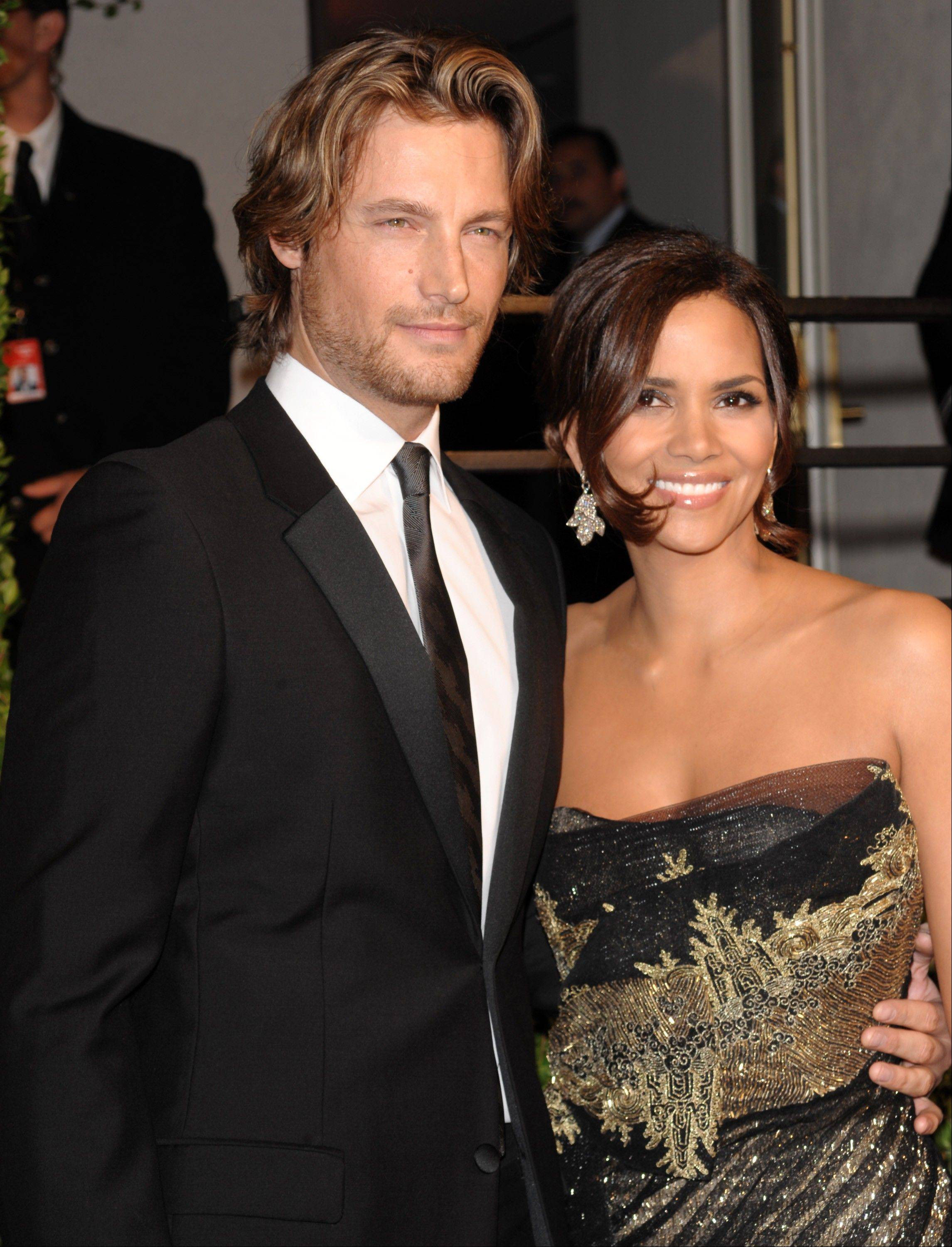 Gabriel Aubry and Halle Berry have settled court issues that arose after a Thanksgiving Day fight at the actress� home.