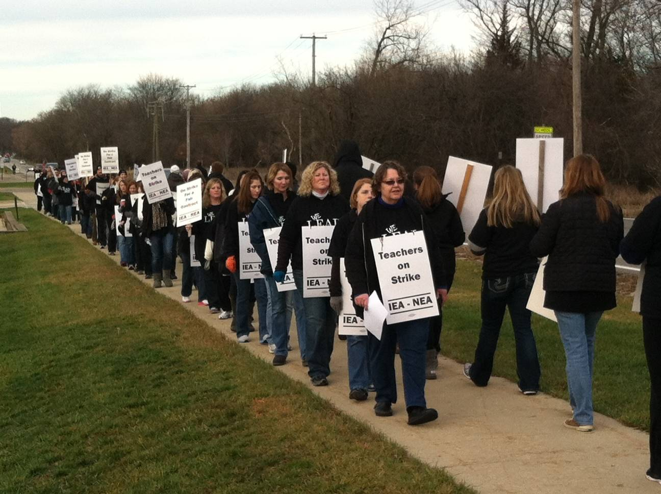 District 300 teachers begin strike today
