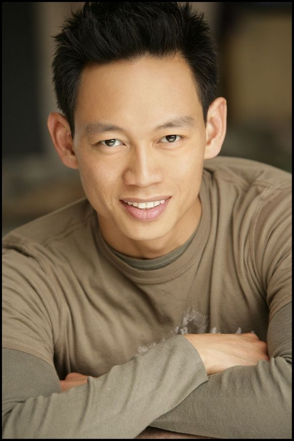 Roddy Chong, a Schaumburg native, is the rock violinist for the Trans-Siberian Orchestra, an actor and a motivational speaker.