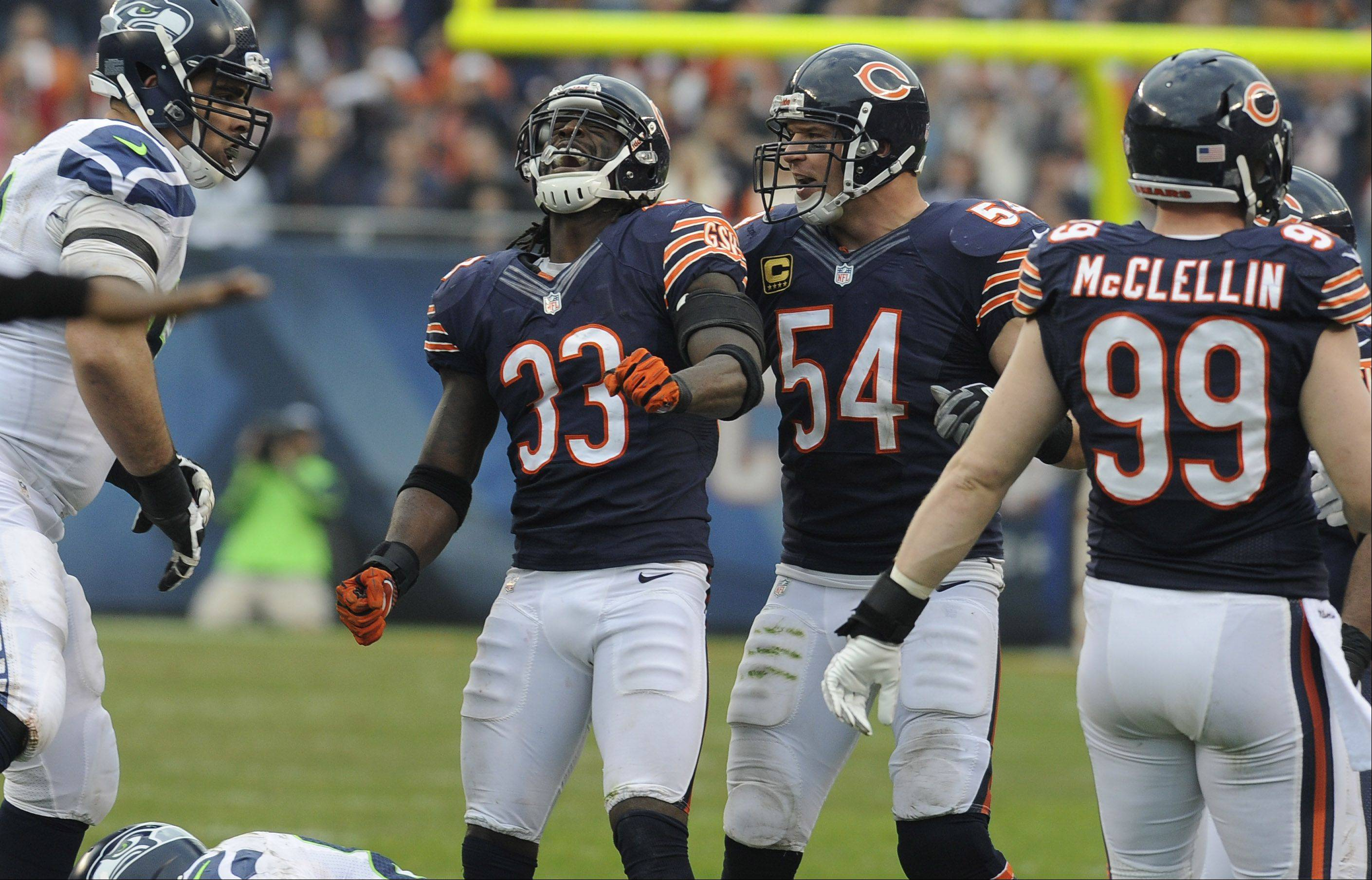 Bears linebacker Brian Urlacher suffered an injury that could sideline him for the rest of the season in the loss to the Seahawks at Soldier Field.