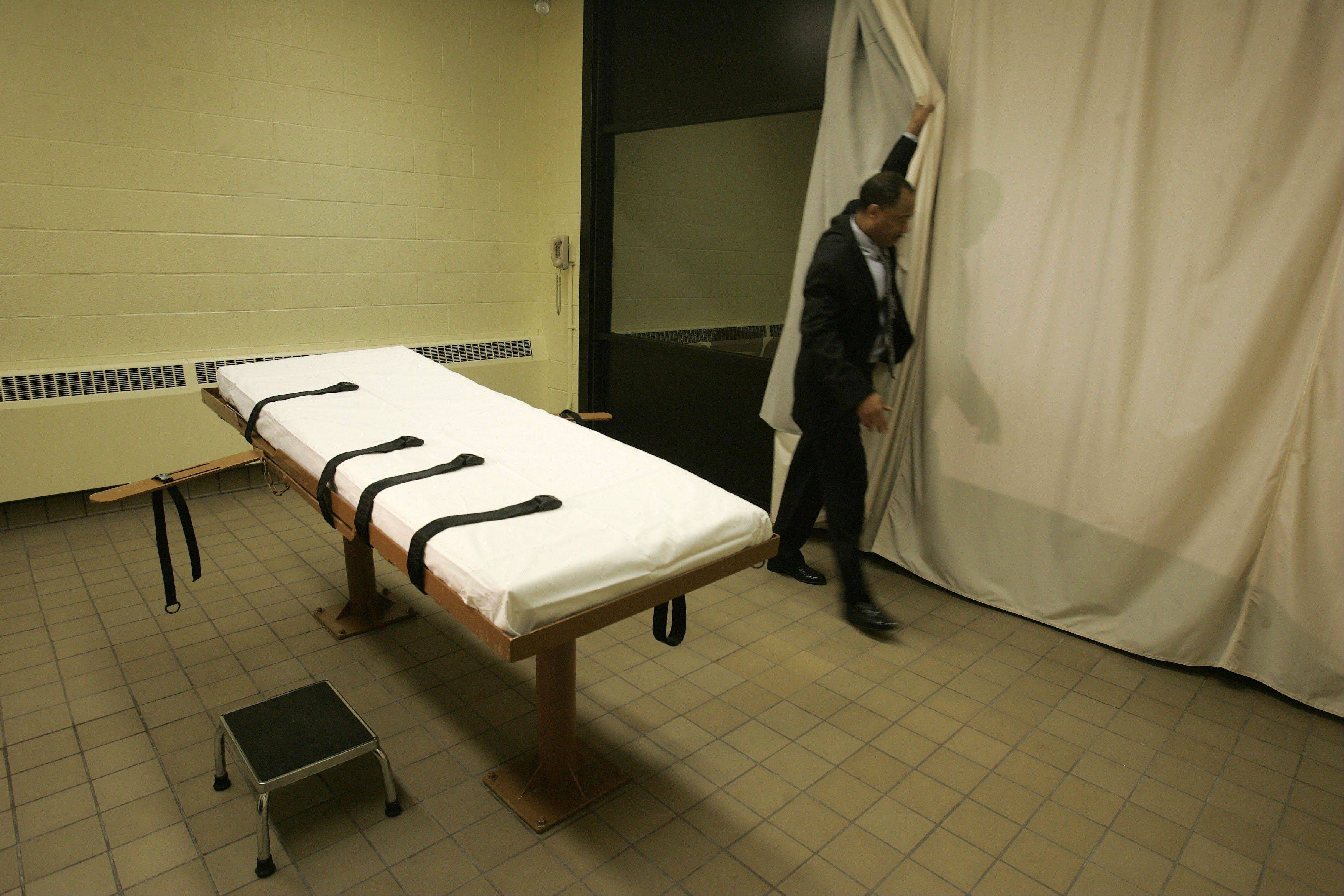 Warden Donald Morgan says the state's execution table at the Southern Ohio Correctional Facility in Lucasville, Ohio, can easily hold Ronald Post, scheduled to be executed in January 2013.