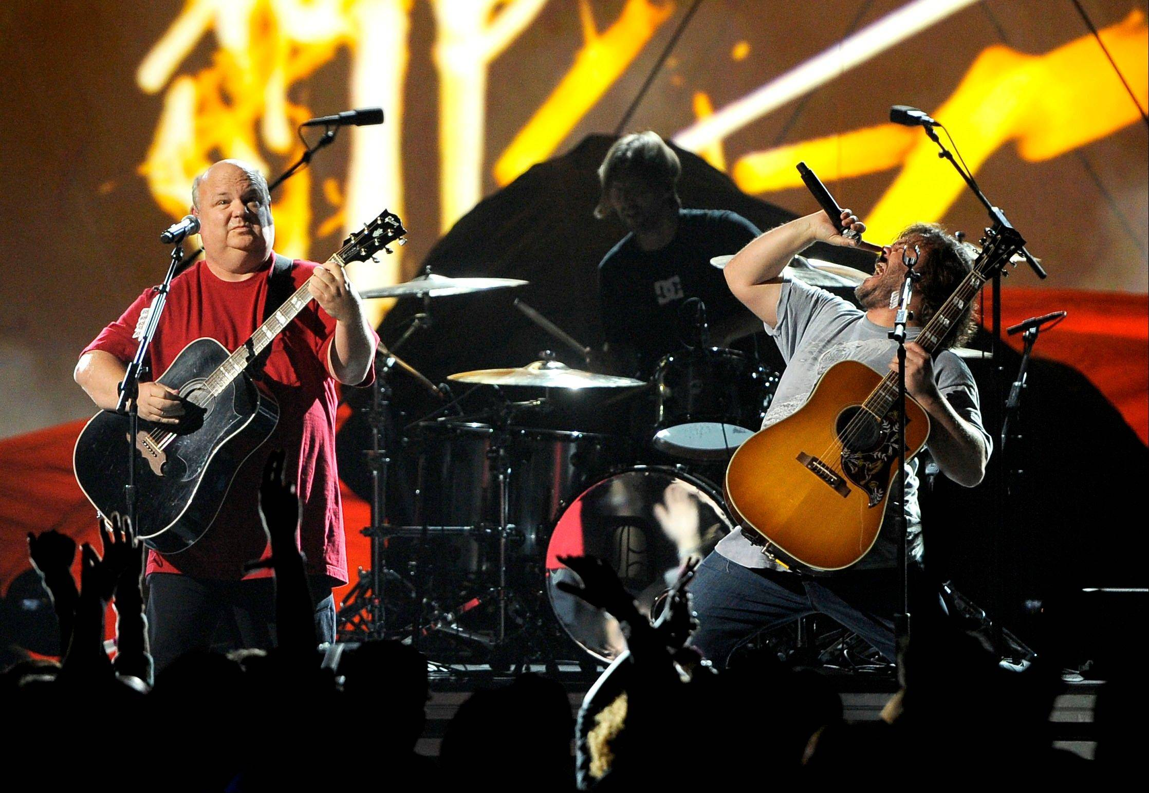 Kyle Gass, left, and Jack Black, of musical group Tenacious D, perform Friday at Spike's 10th Annual Video Game Awards at Sony Studios.