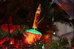 a telephone operator employee came up with the idea of mini holiday lights while staring
