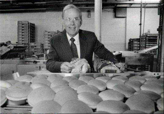 Nick Nicholas, who co-founded the Alpha Baking company and grew it to be one of the largest bakeries in Chicago, died Sunday. He was 83.