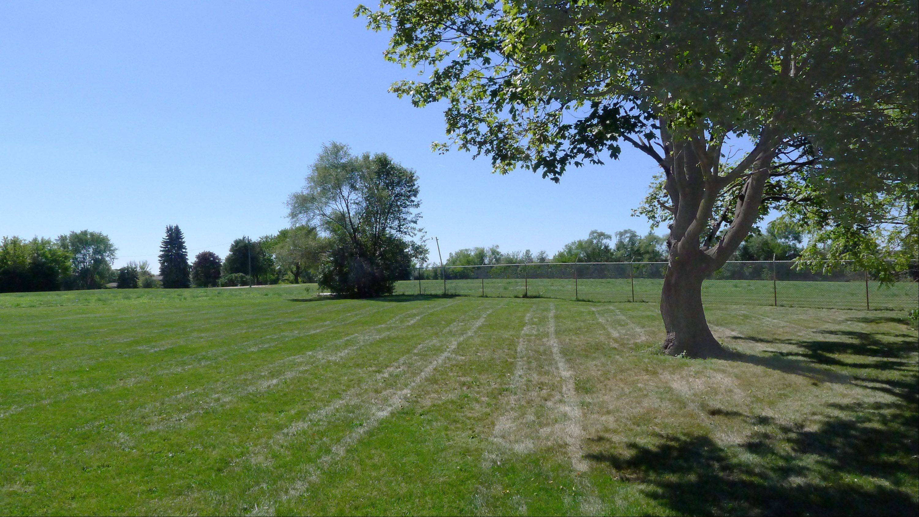 A vacant 7½-acre property on Kuhn Road in Carol Stream is being offered for sale for $1.8 million by the Carol Stream Public Library. The site was purchased in 2003 with intentions of building a new library there.