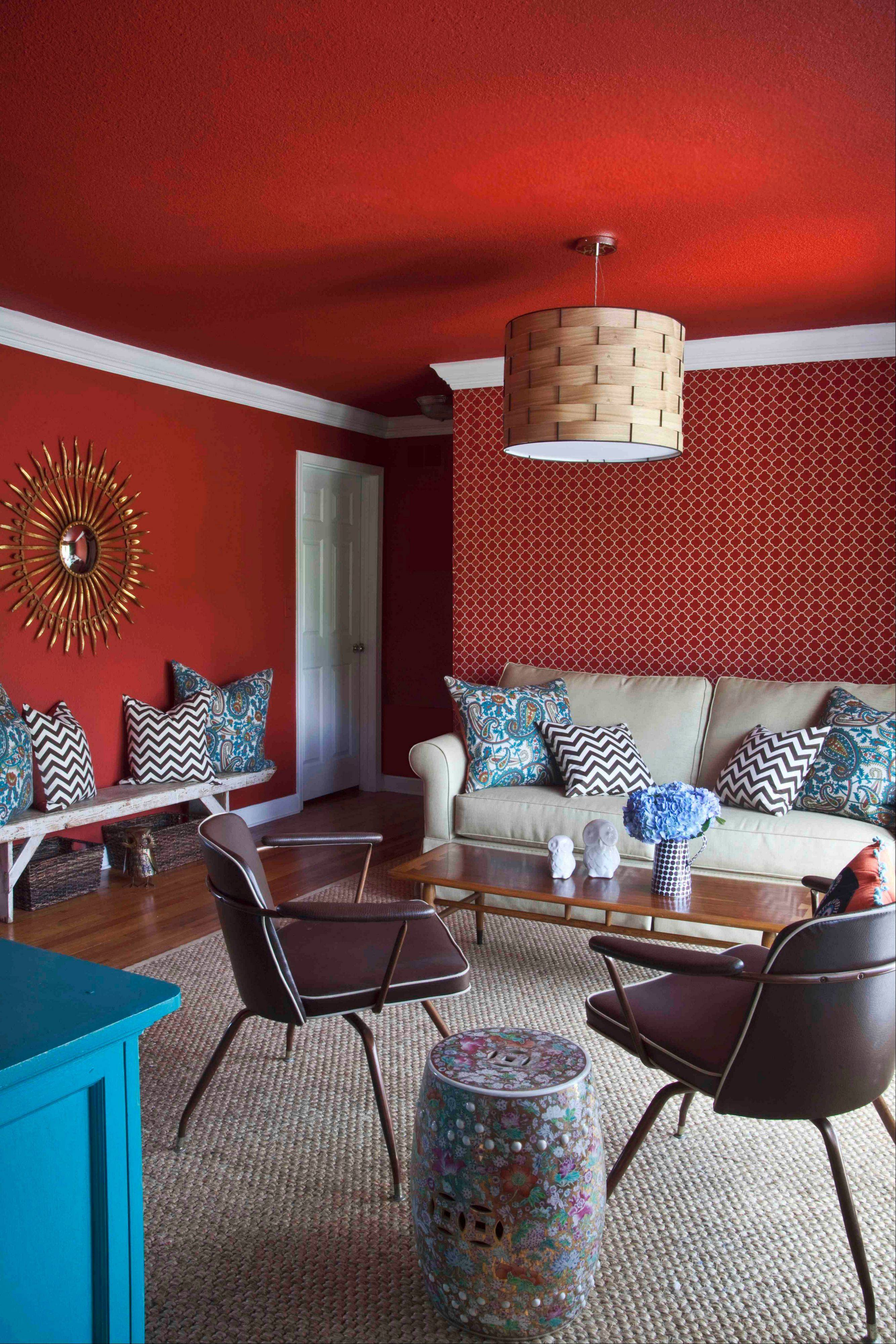 When designing living rooms for clients who entertain heavily around the holidays, designer Brian Patrick Flynn often pairs sofas with swivel chairs to allow for easy conversation in any direction, as well as coffee tables that can double as benches, and occasional tables which also work as stools.