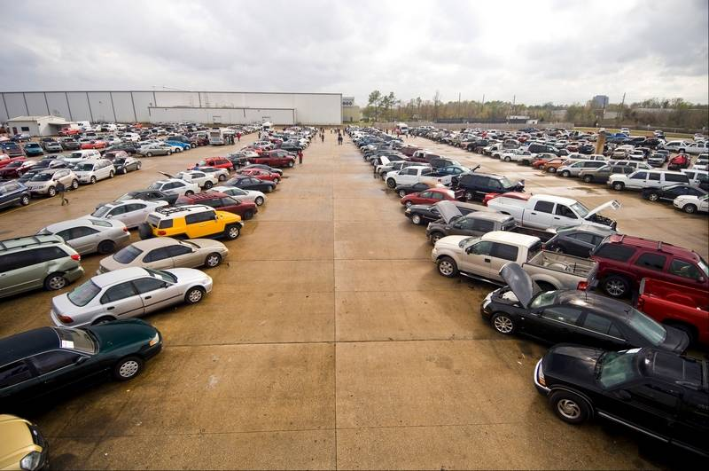 Barrington Hills group adds fuel to auto auction battle