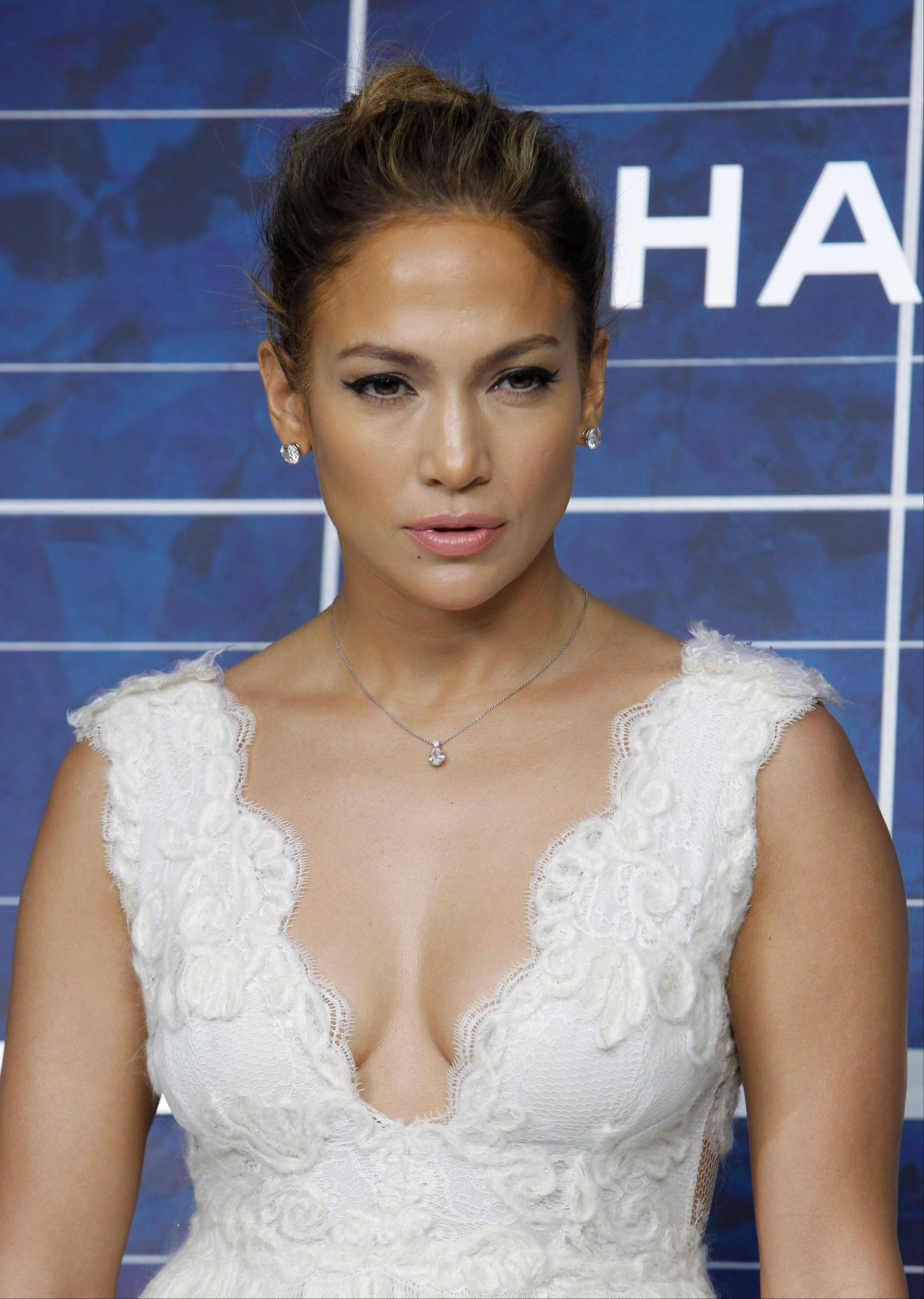 "Jennifer Lopez has launched her ""J. Lo's Christmas Gift"" drive, asking fans to donate to her three favorite charities (the Boys & Girls Club, the Children's Hospital of Los Angeles and the American Red Cross). In exchange, she'll give someone two tickets to the last show of her ""Dance Again"" world tour in Puerto Rico on Saturday."