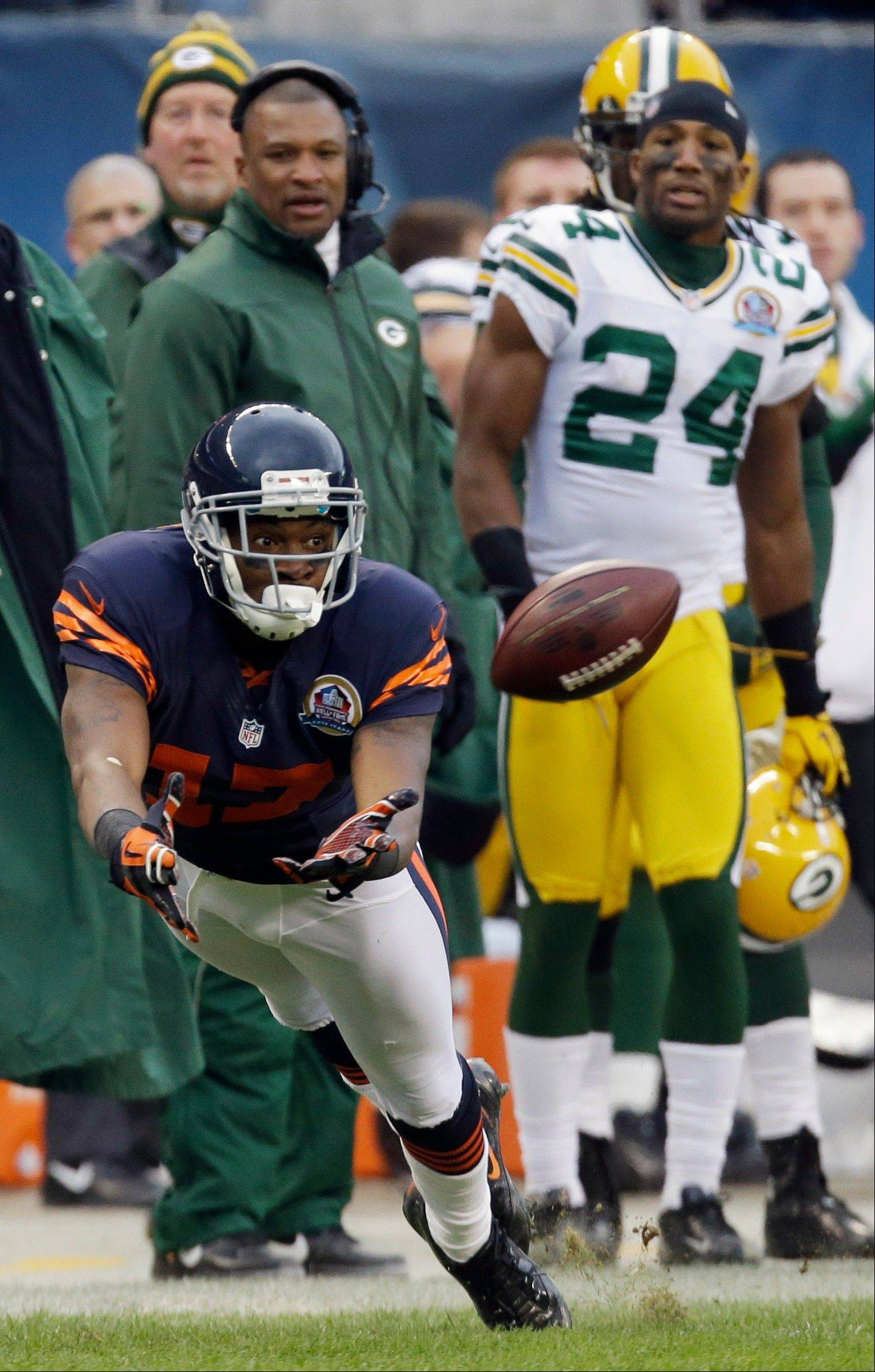Alshon Jeffery misses a catch in the second half of an NFL football game against the Green Bay Packers in Chicago, Sunday, Dec. 16, 2012. The Packers won 21-13 to clinch the NFC North division title.