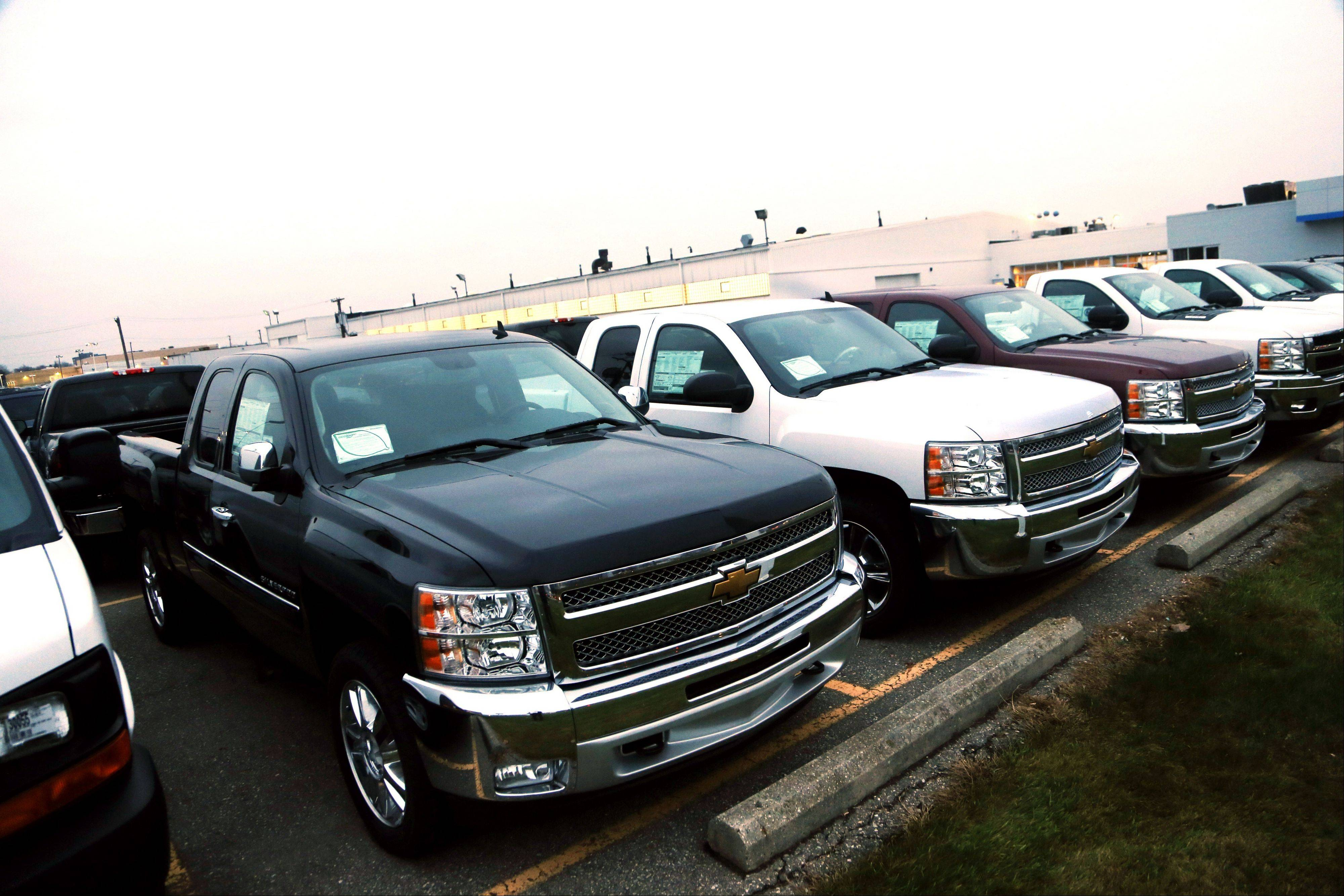 General Motors is offering generous deals to clear a growing inventory of Chevy and GMC pickup trucks. It�s matching or beating deals offered by Ford and Chrysler. That, plus low interest rates, sweet lease deals and abundant financing, is good news for truck buyers.