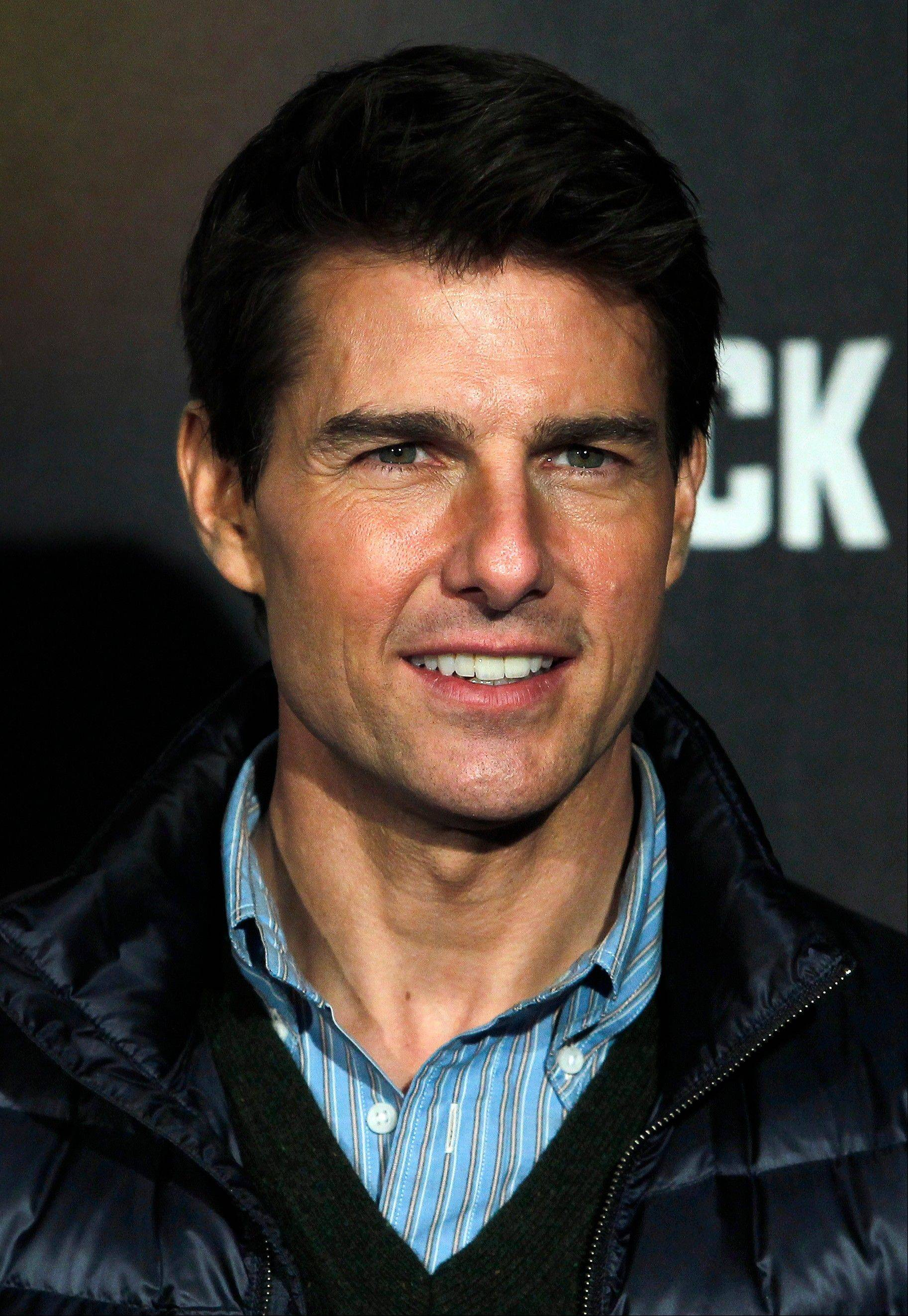 "Tom Cruise is heading to Pittsburgh for a scaled-down screening of his new action movie, ""Jack Reacher,"" after it was postponed over the weekend because of the deadly school shooting in Connecticut."