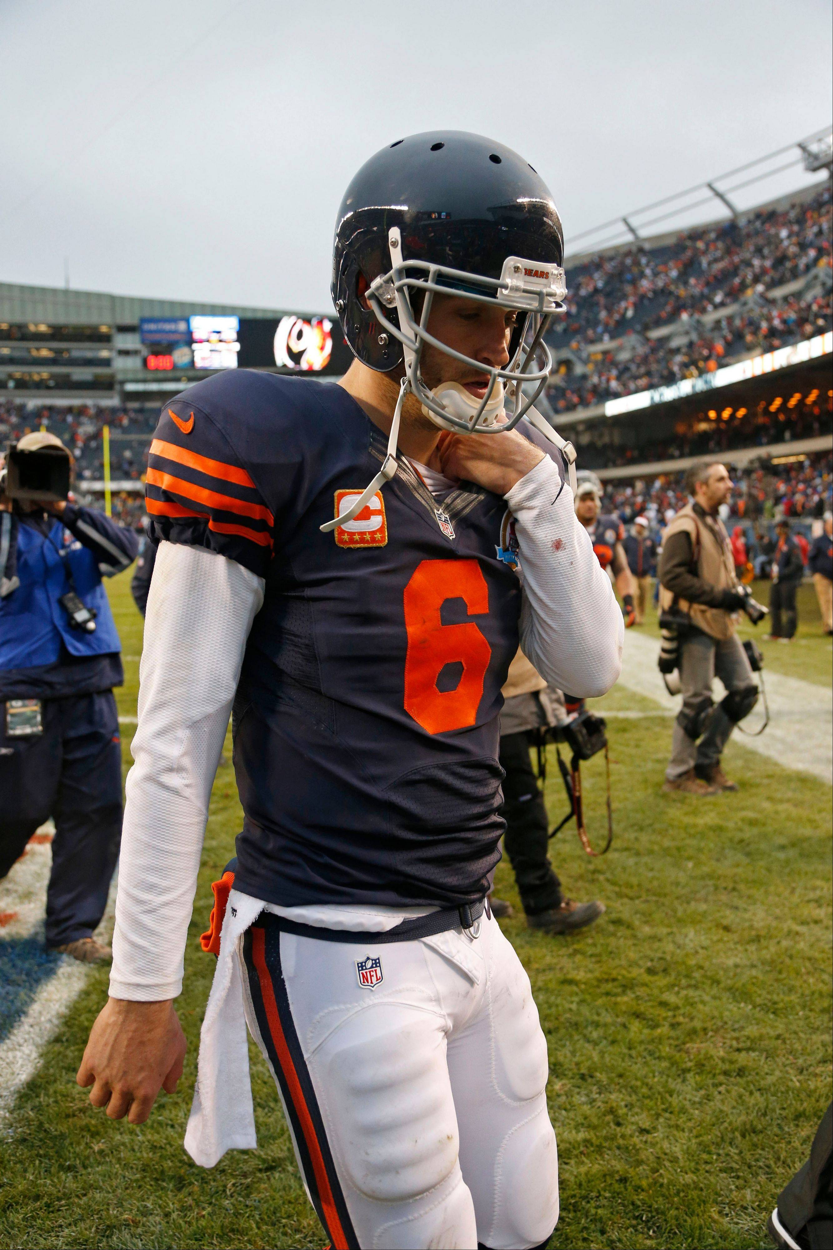 Quarterback Jay Cutler and the Bears are just concentrating on one thing this week: getting their record to 9-6 with a victory Sunday at Arizona.