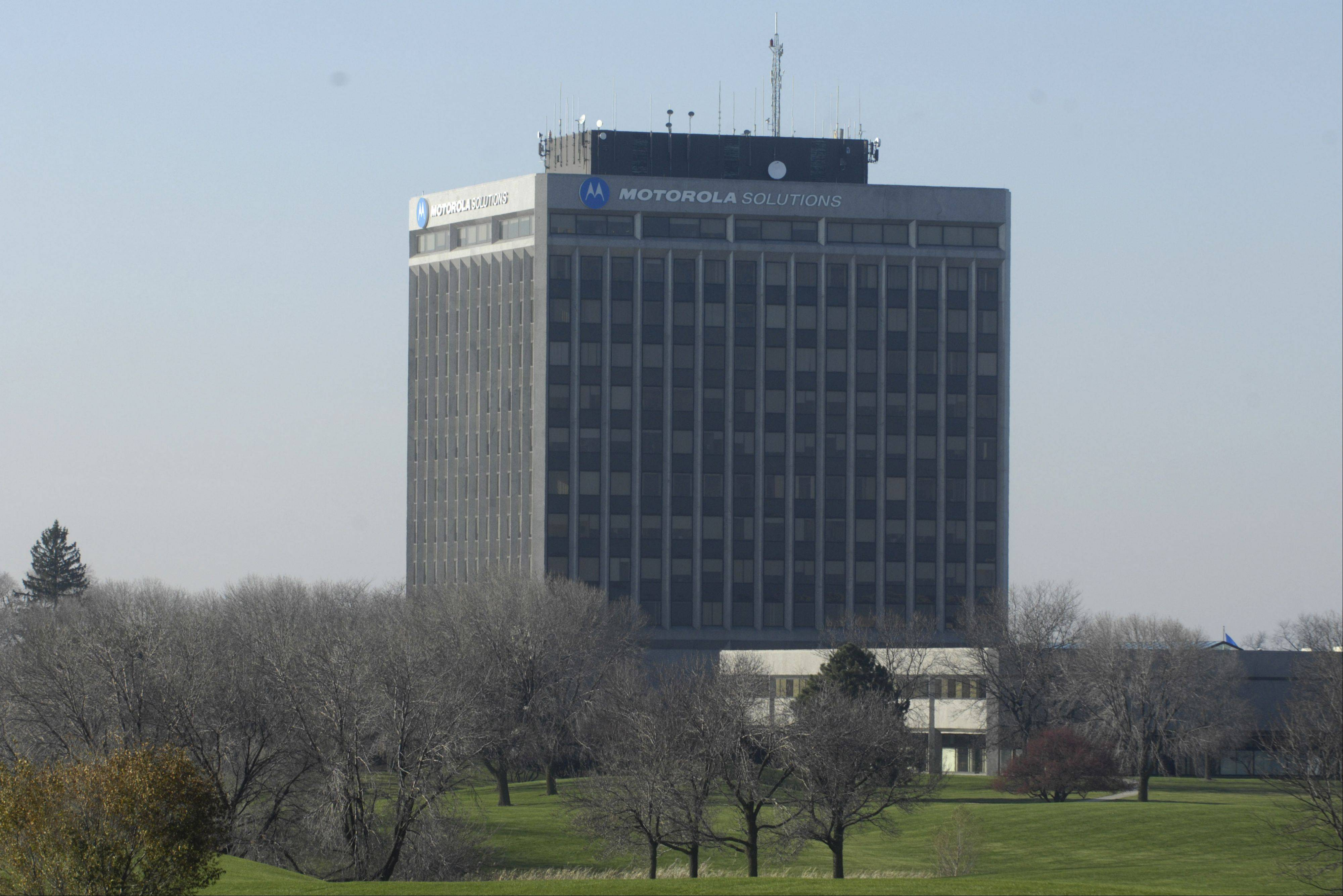Motorola Solutions will move some staff members out of its Schaumburg headquarters to downtown Chicago beginning in January.