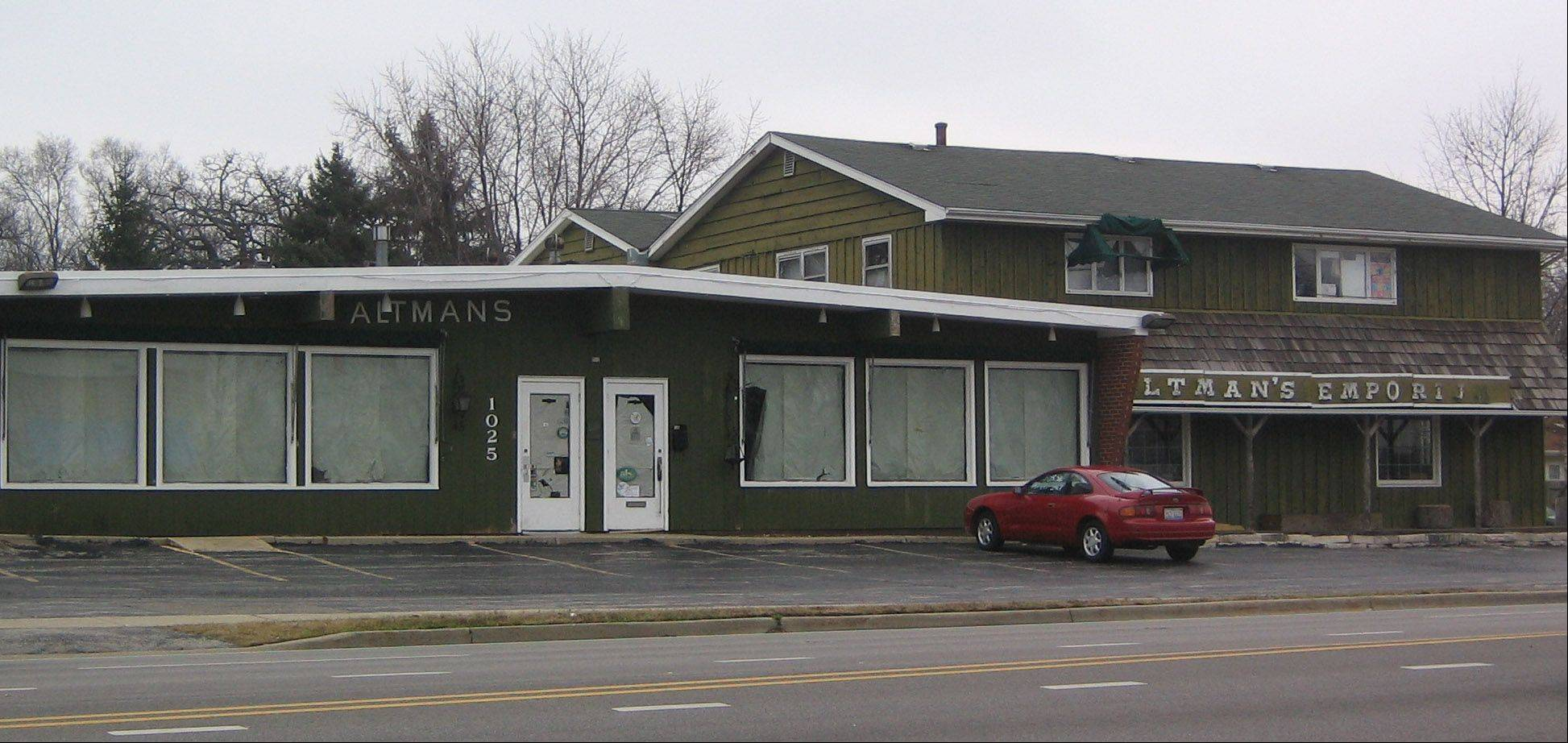 Round Lake Beach trustees say they will work with a former Golden Gloves boxer on a proposal to open a boxing club the former Altman's Emporium on Cedar Lake Road.