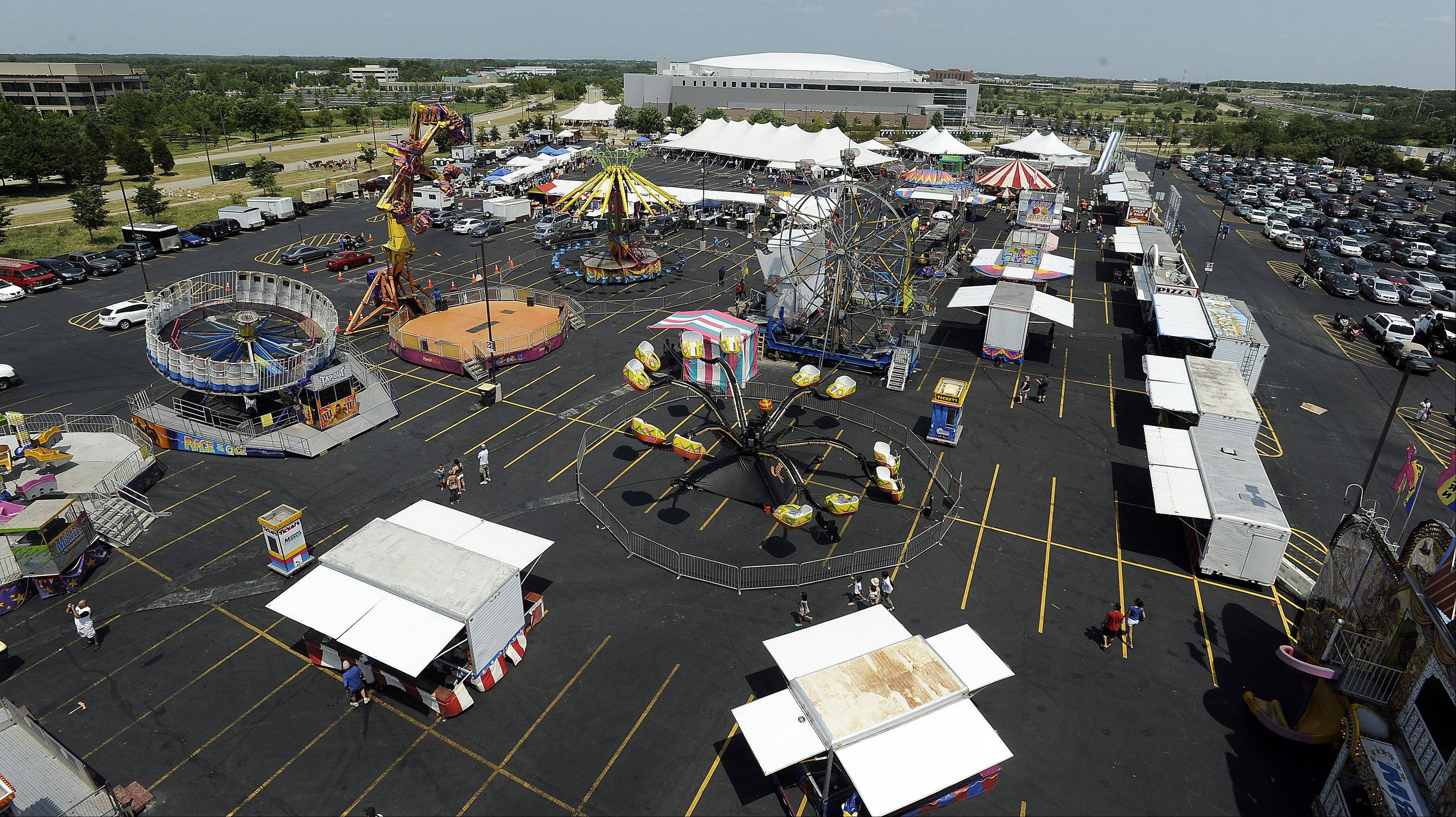 Extreme heat hurt attendance at the first Northwest Fourth Fest held at the Sears Centre Arena. After years of cutbacks in local festivals, several towns and townships cooperated to launch the new event.