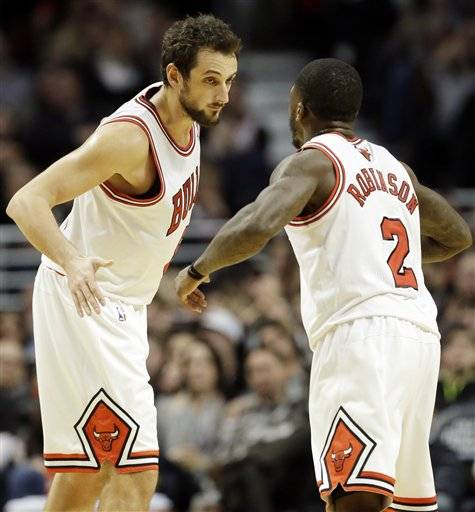 Marco Belinelli came off the bench to score 17 points and lead the Bulls to an 87-77 victory over the Washington Wizards on Saturday night.