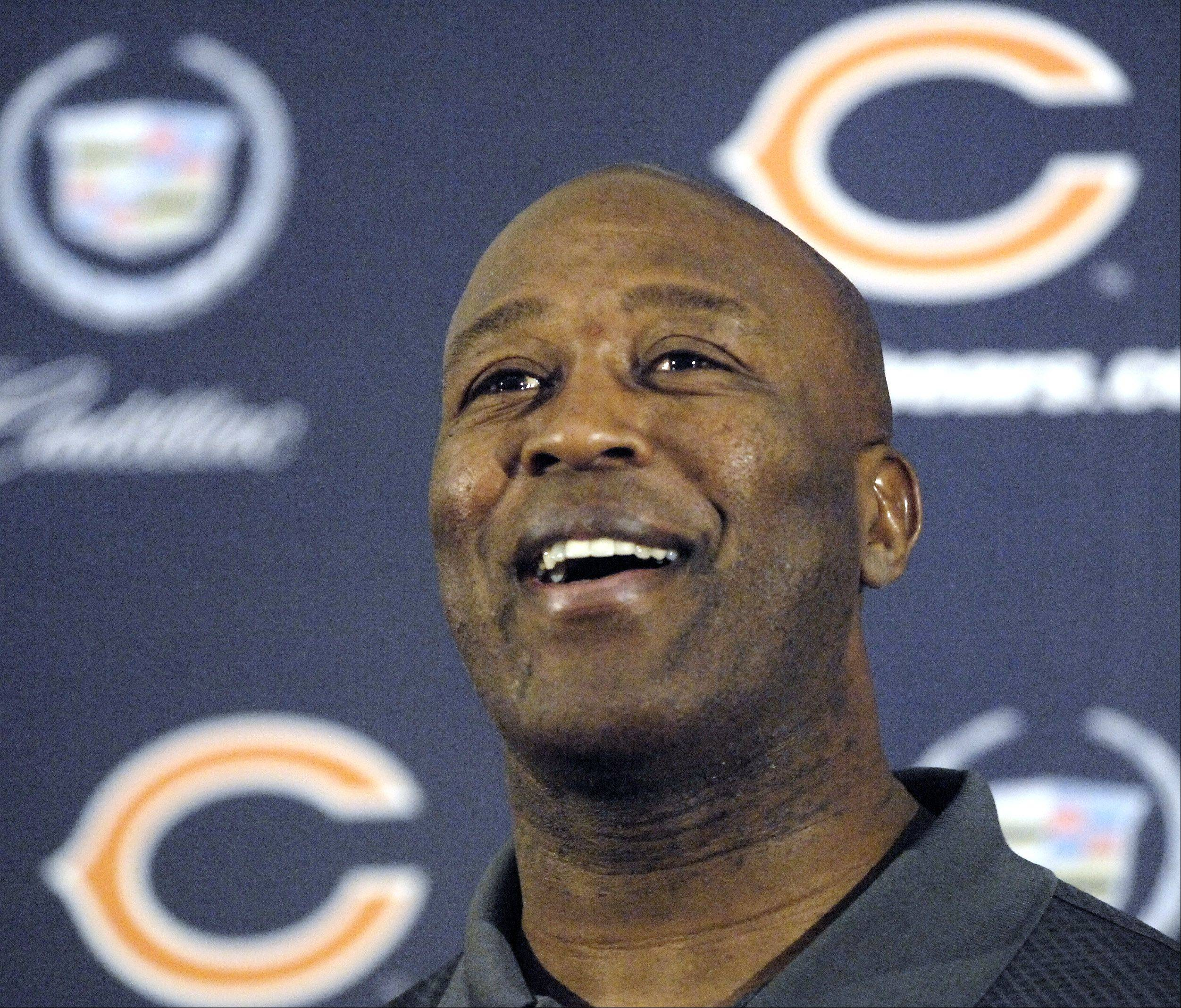 Chicago Bears' head coach Lovie Smith speaks at Halas Hall Monday afternoon following the 2006 NFC Championship game against the Saints.
