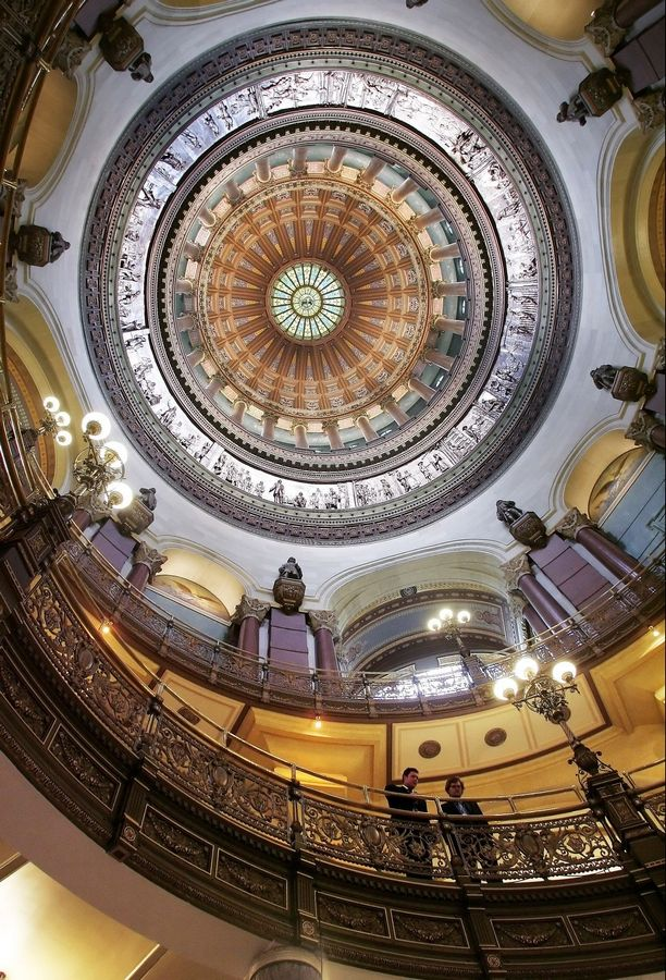 Lawmakers reconvene under Springfield's Capitol dome today, but whether they will do anything is up in the air.