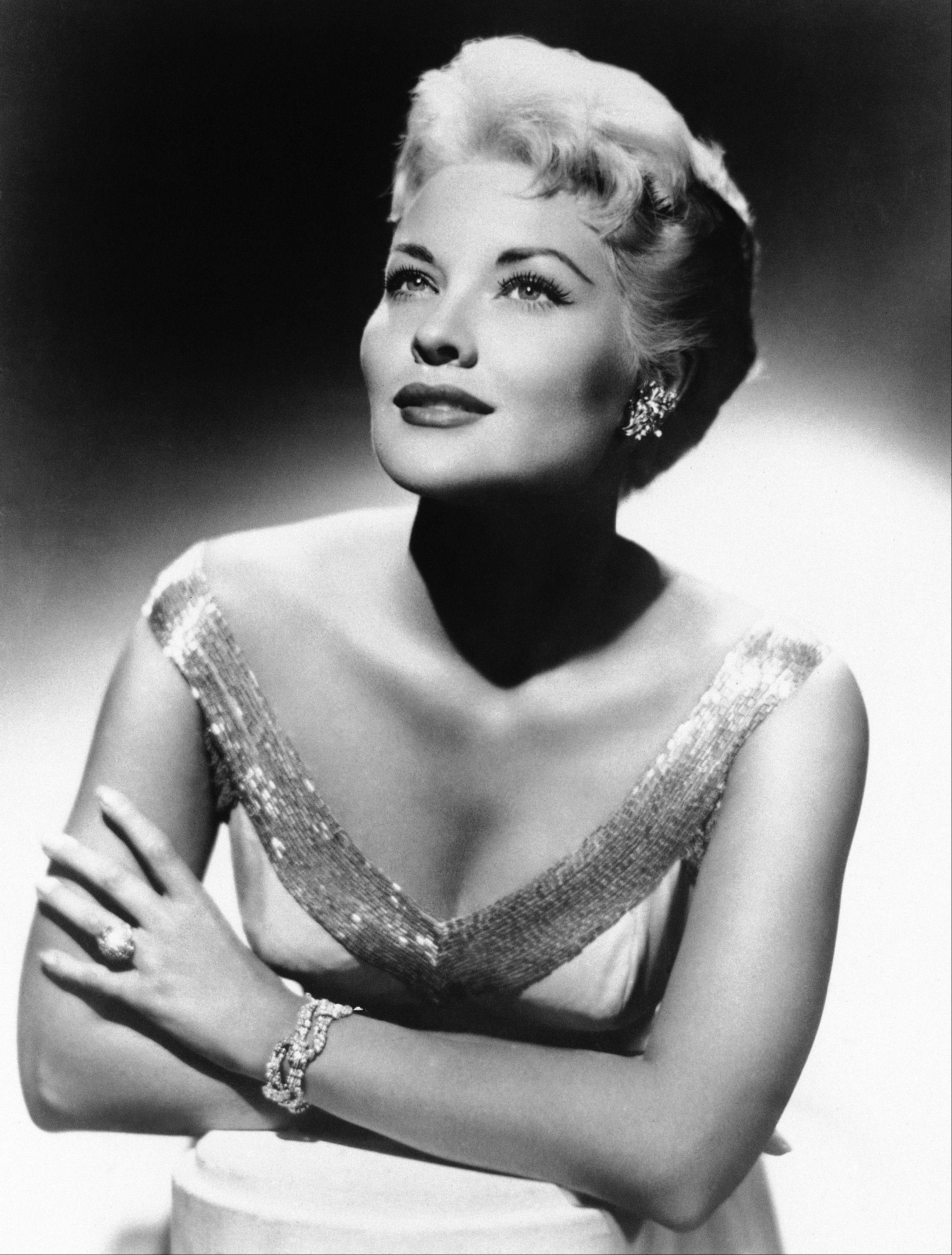 "Associated Press/1958 Singer Patti Page, who made ""Tennessee Waltz"" the third best-selling recording ever, has died. She was 85."