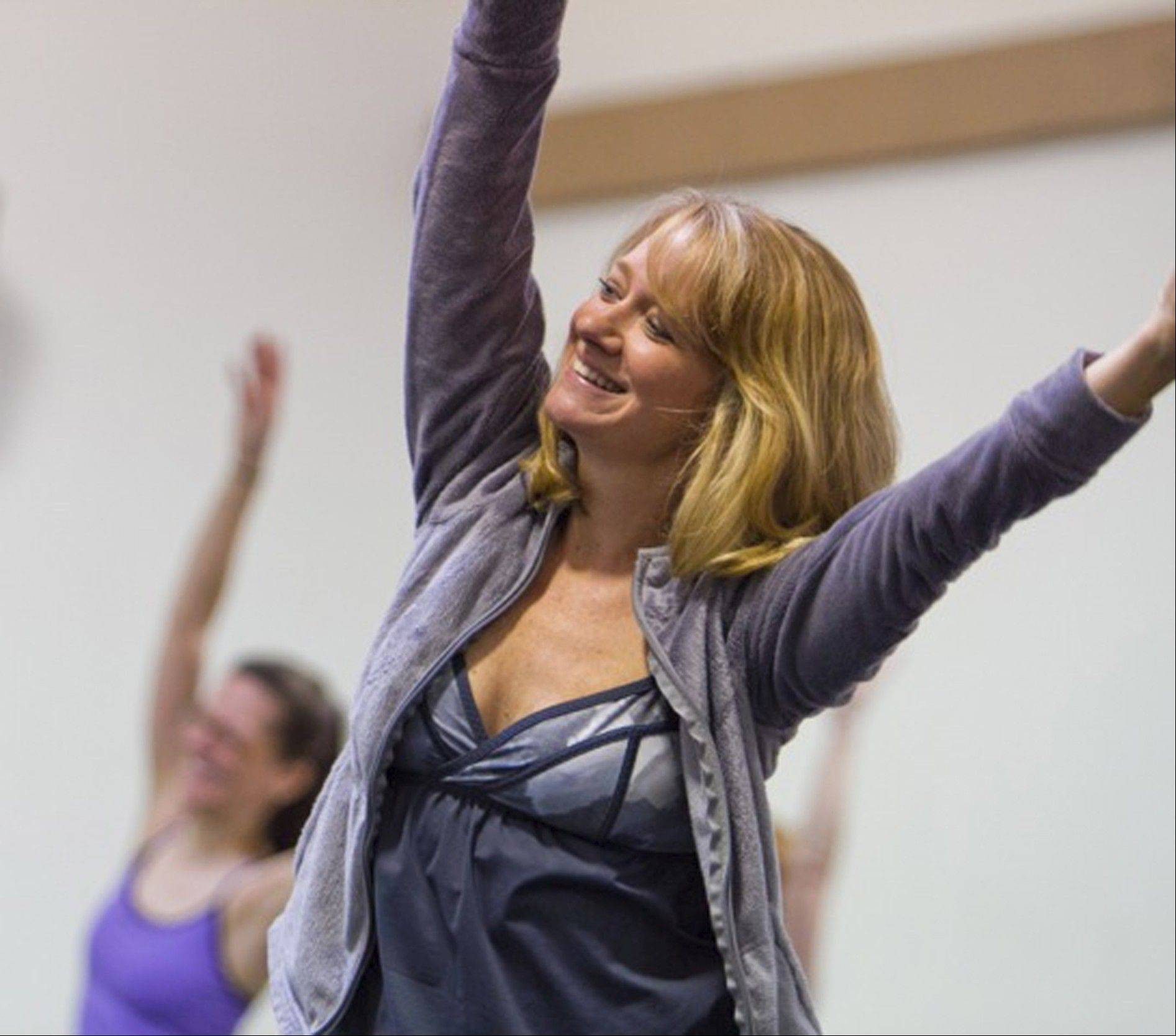 Elginite Kelly Hill, a founding member of River North Dance Chicago, will conduct a free BeMoved Dance Class on Jan. 16.