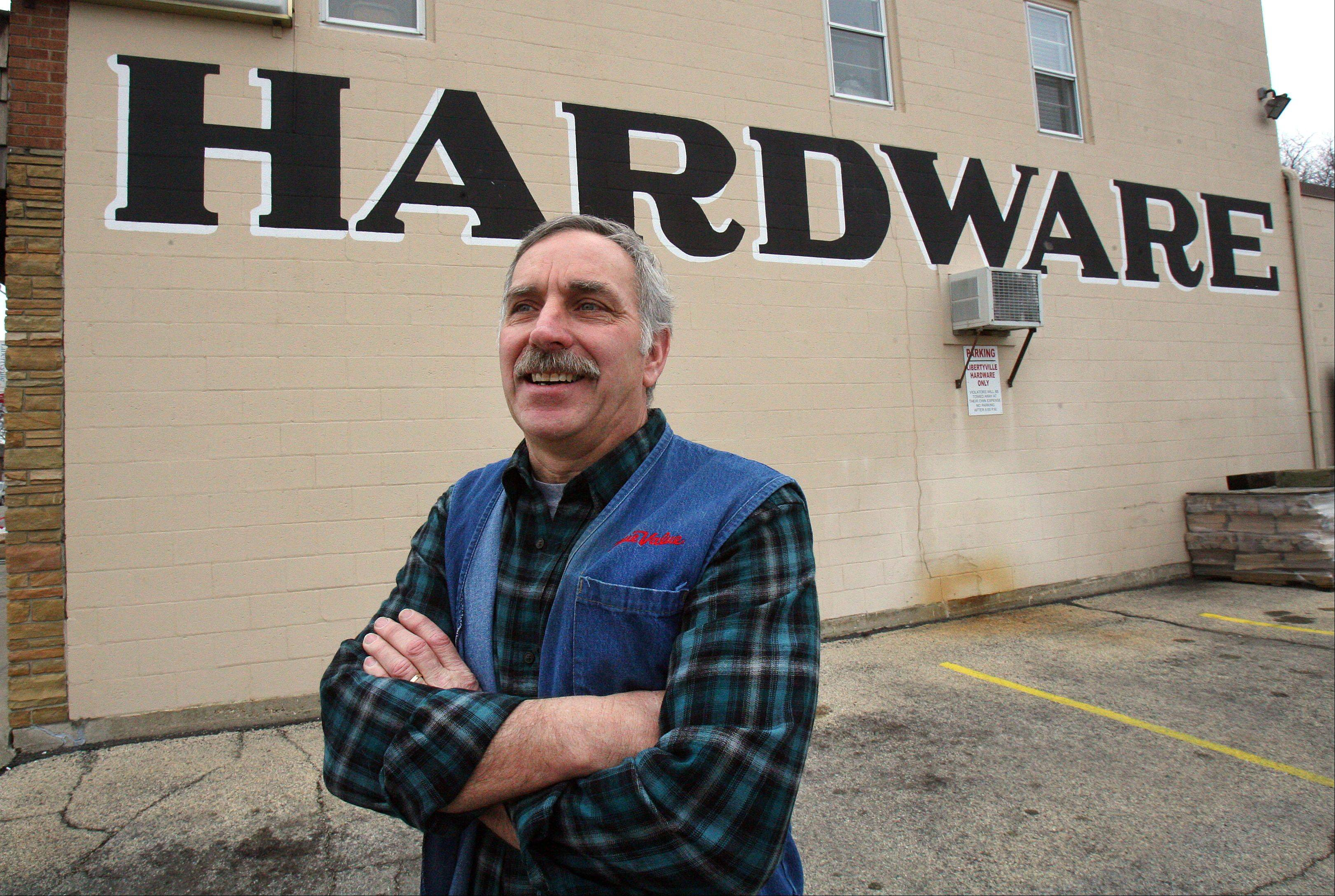 Libertyville hardware store owner says it's time to retire