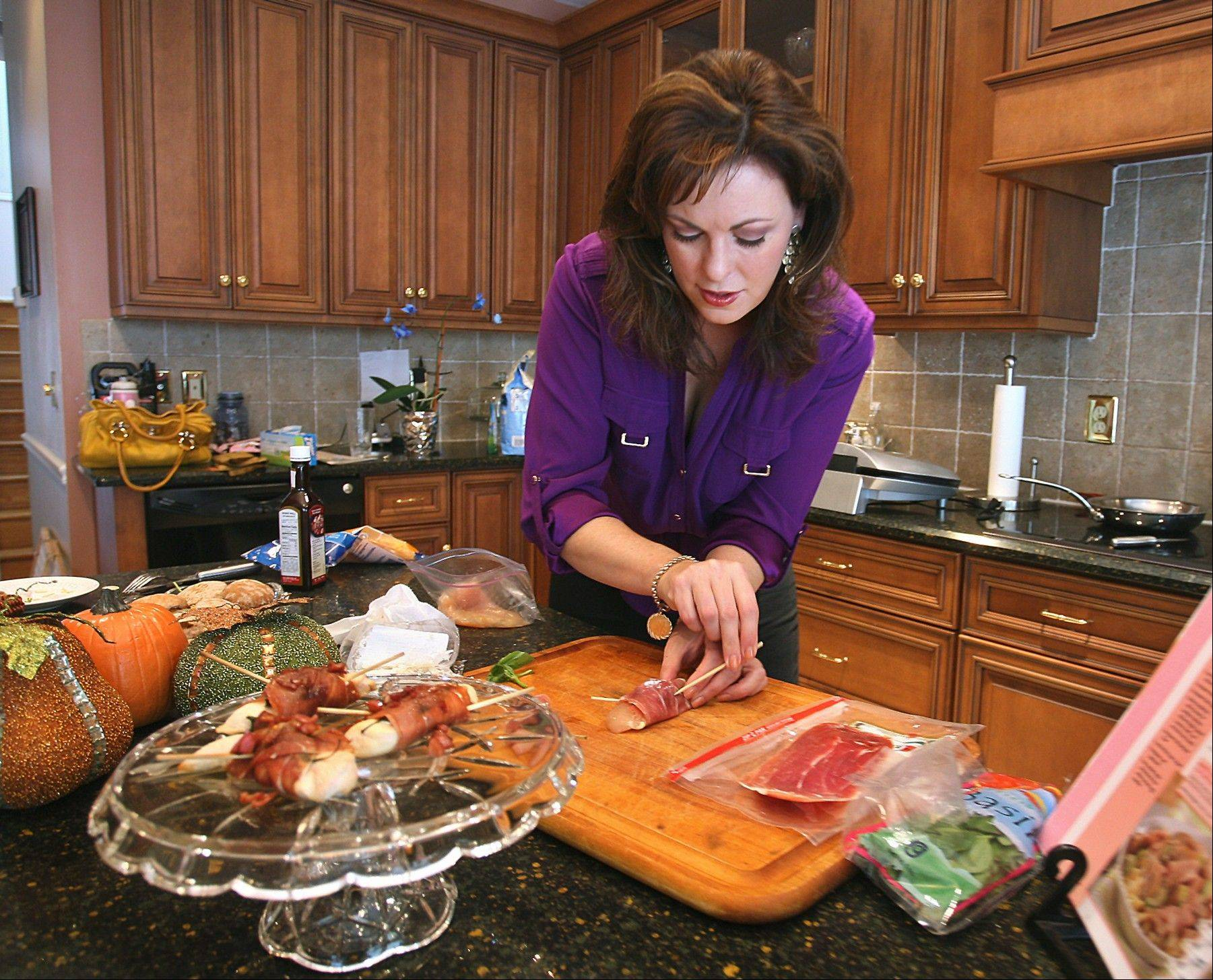 Former Miss America Nicole Johnson, a diabetic, prepares Prosciutto-Wrapped Chicken with Goat Cheese.