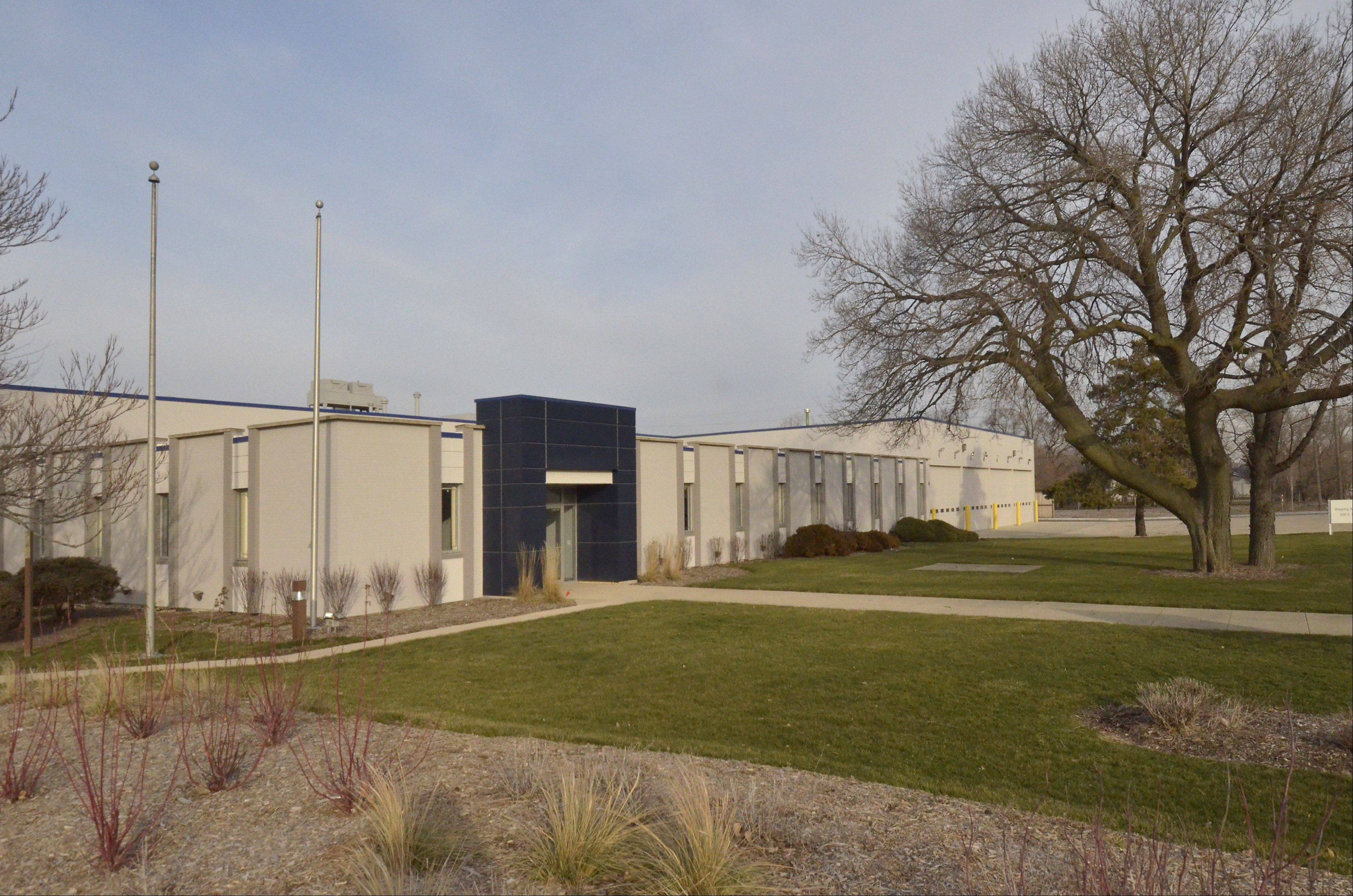 The Des Plaines City Council supports a property tax break to help Motor Coach Industries establish its U.S. headquarters in the city. The company wants to move 37 full-time office employees from Schaumburg and 30 from an existing Des Plaines service center to a vacant building on Oakton Street.