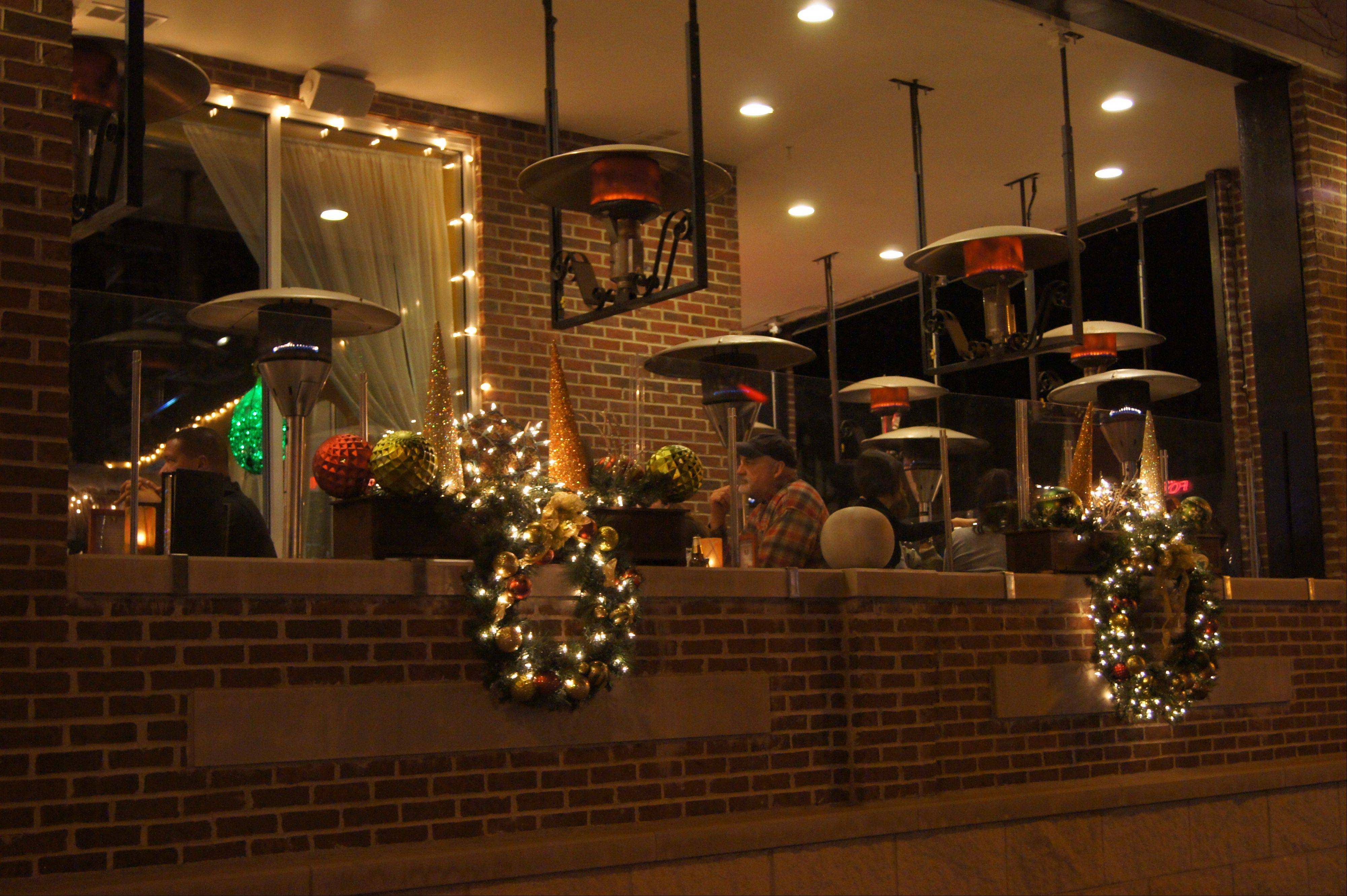 Casa Bonita Mexican Restaurant and Tequila Bar in Libertyville recently installed shatterproof glass panels and heaters so its open-air patio doesn't have to close in the winter. Restaurant analyst Donna Hood Crecca says it's part of a national trend.