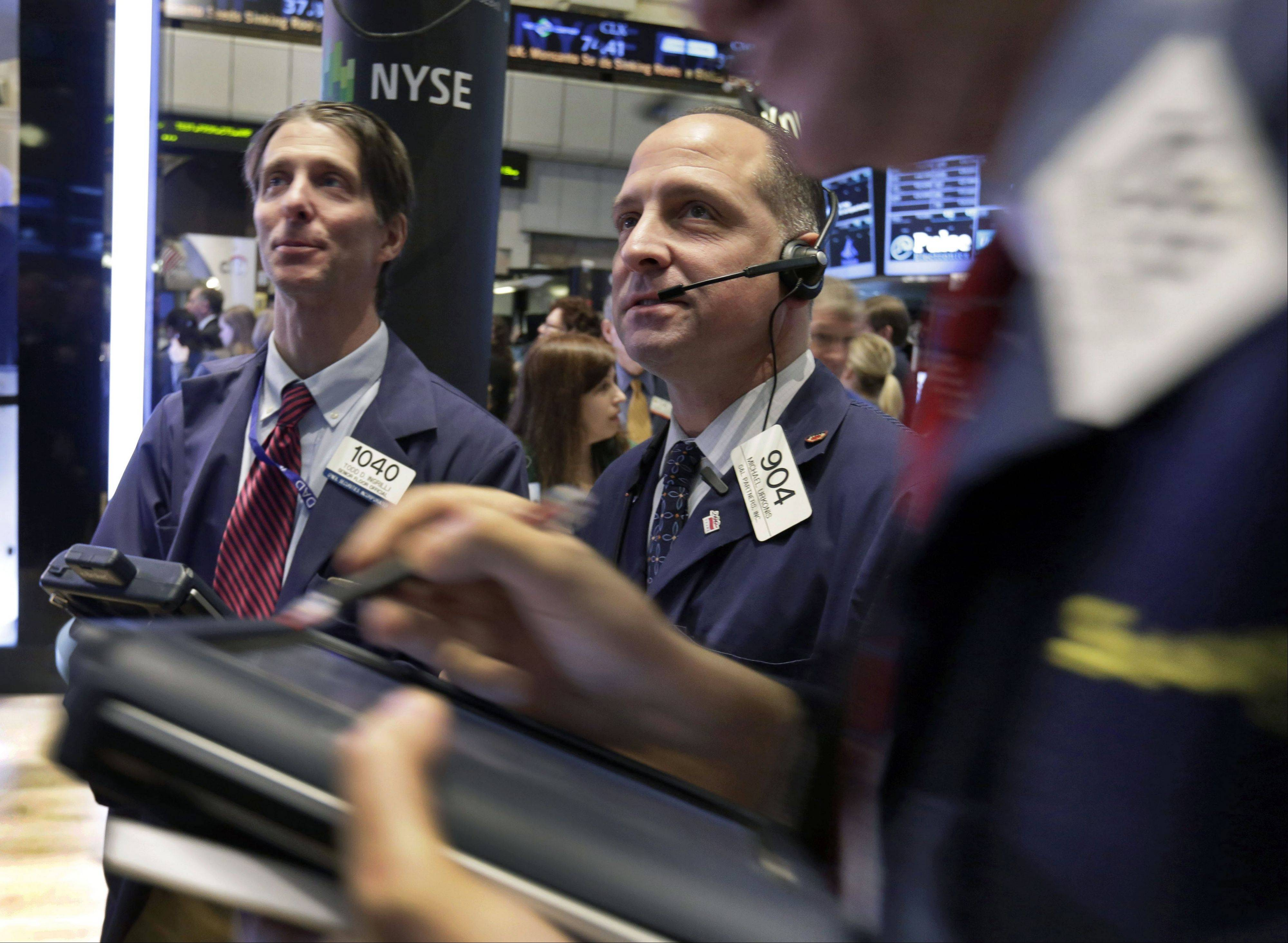 Stocks advanced, snapping a two-day decline for the Standard & Poor�s 500 Index, amid investors� optimism about fourth-quarter corporate earnings.