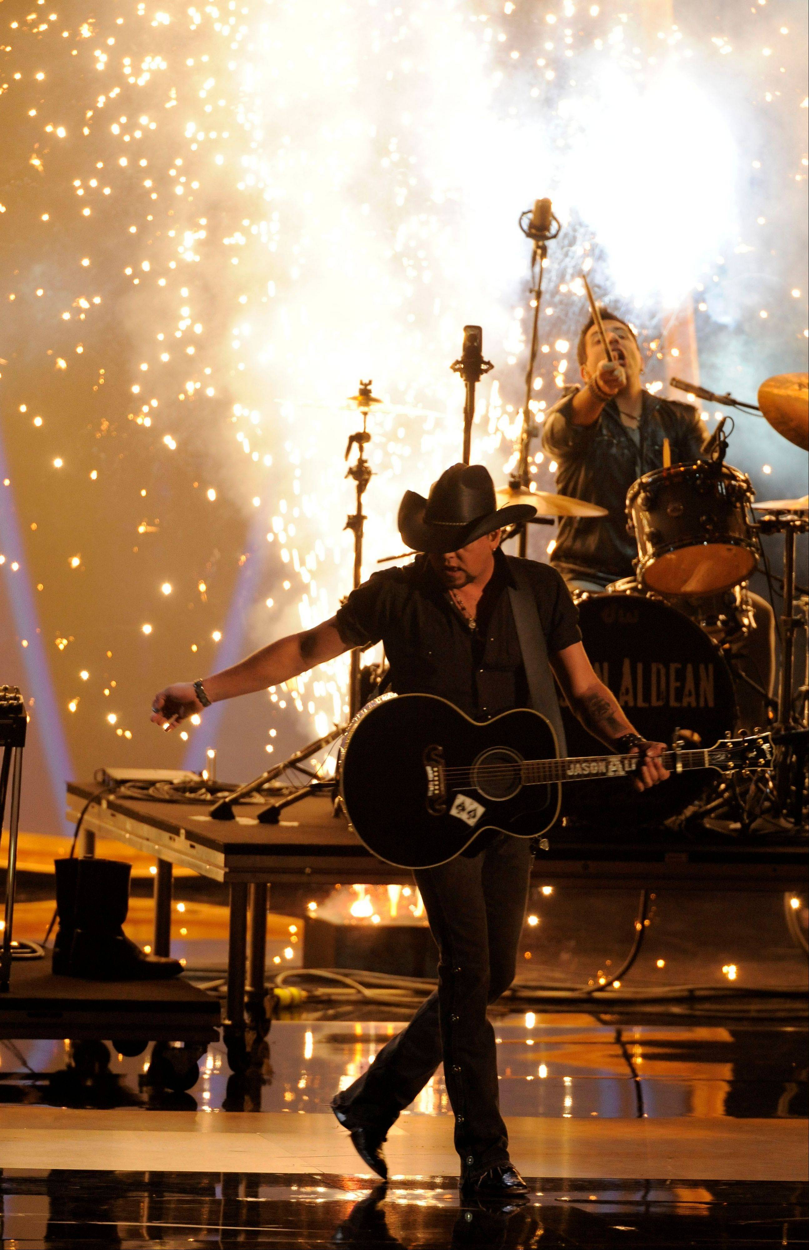 Jason Aldean performs at the People's Choice Awards at the Nokia Theatre on Wednesday Jan. 9, 2013, in Los Angeles.