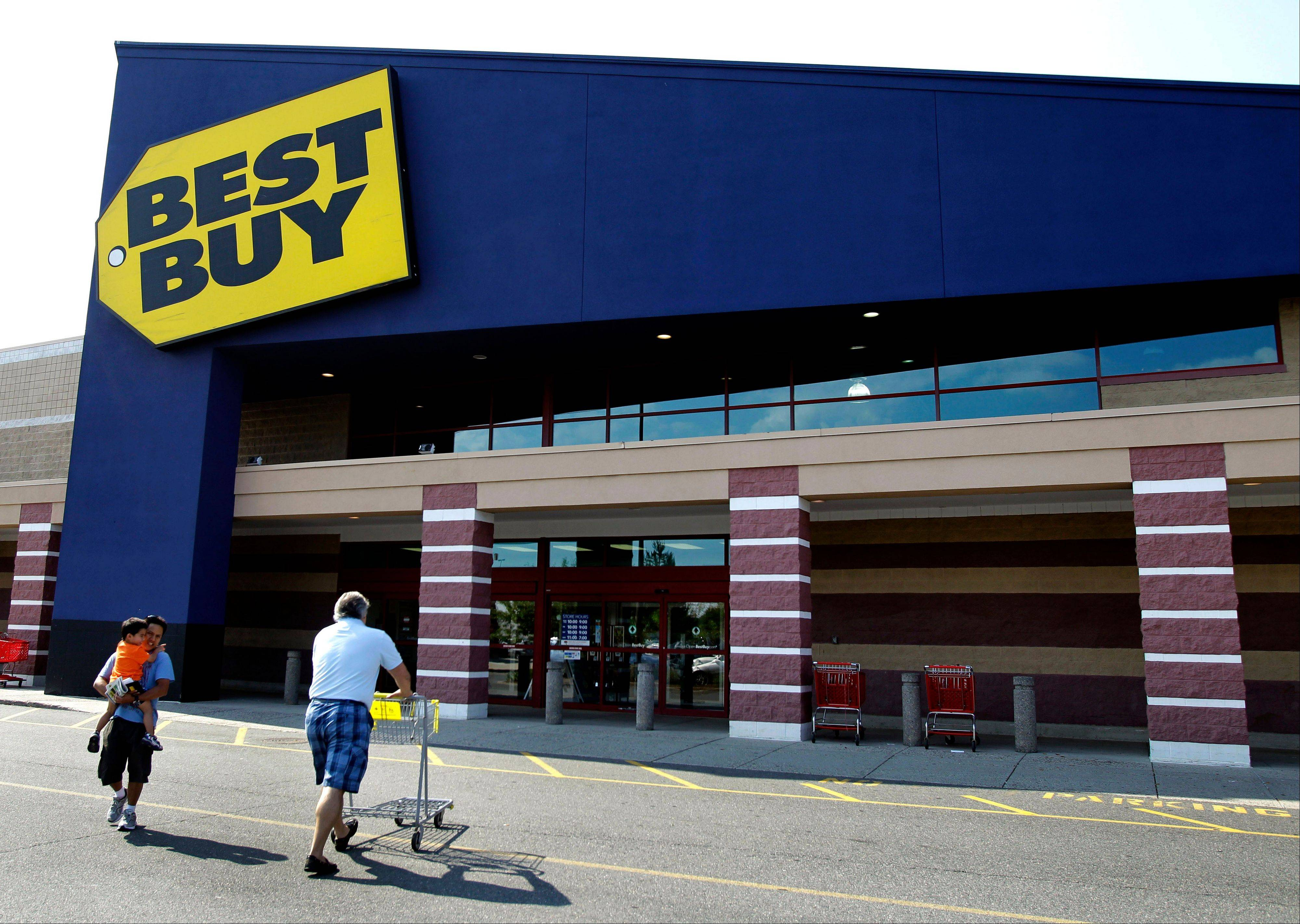 Few investors have more riding on Best Buy Co.'s holiday sales than founder Richard Schulze. If they perform poorly his efforts to take the world's largest consumer-electronics retailer private will become harder.