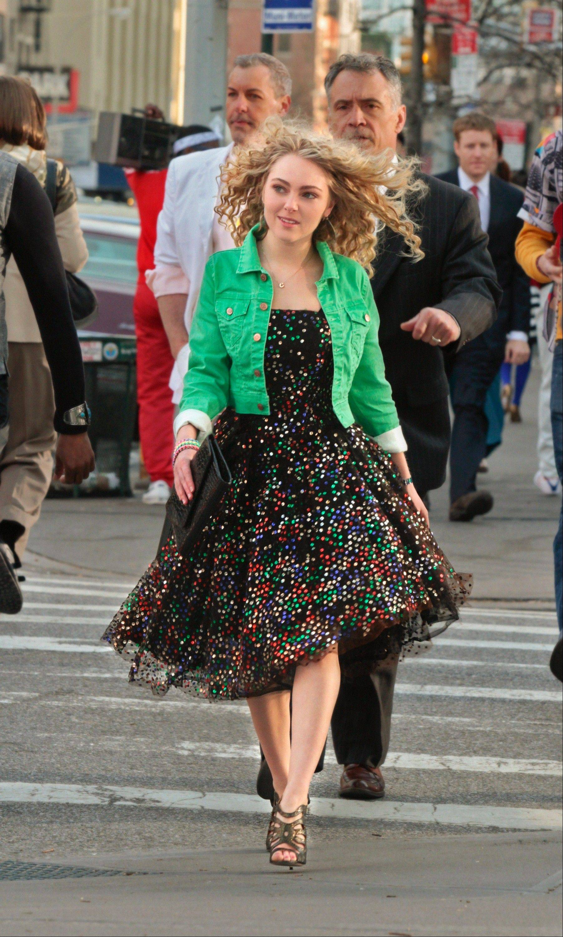 "AnnaSophia Robb steps into Carrie Bradshaw's stylish shoes in The CW's ""The Carrie Diaries,"" a prequel to ""Sex and the City."""