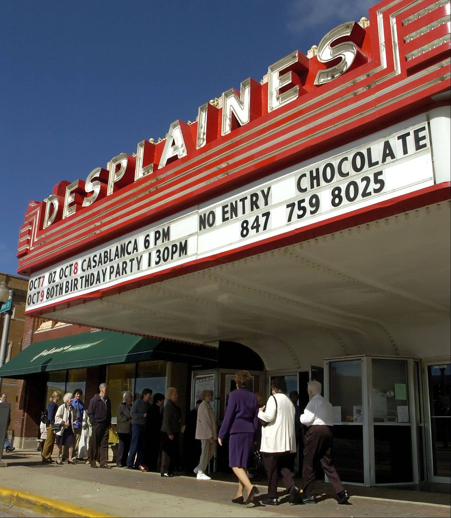 Des Plaines alderman next week will discuss whether to give operators of the Des Plaines Theater another six months to address numerous code violations that, if not fixed, could force the historic facility to close.