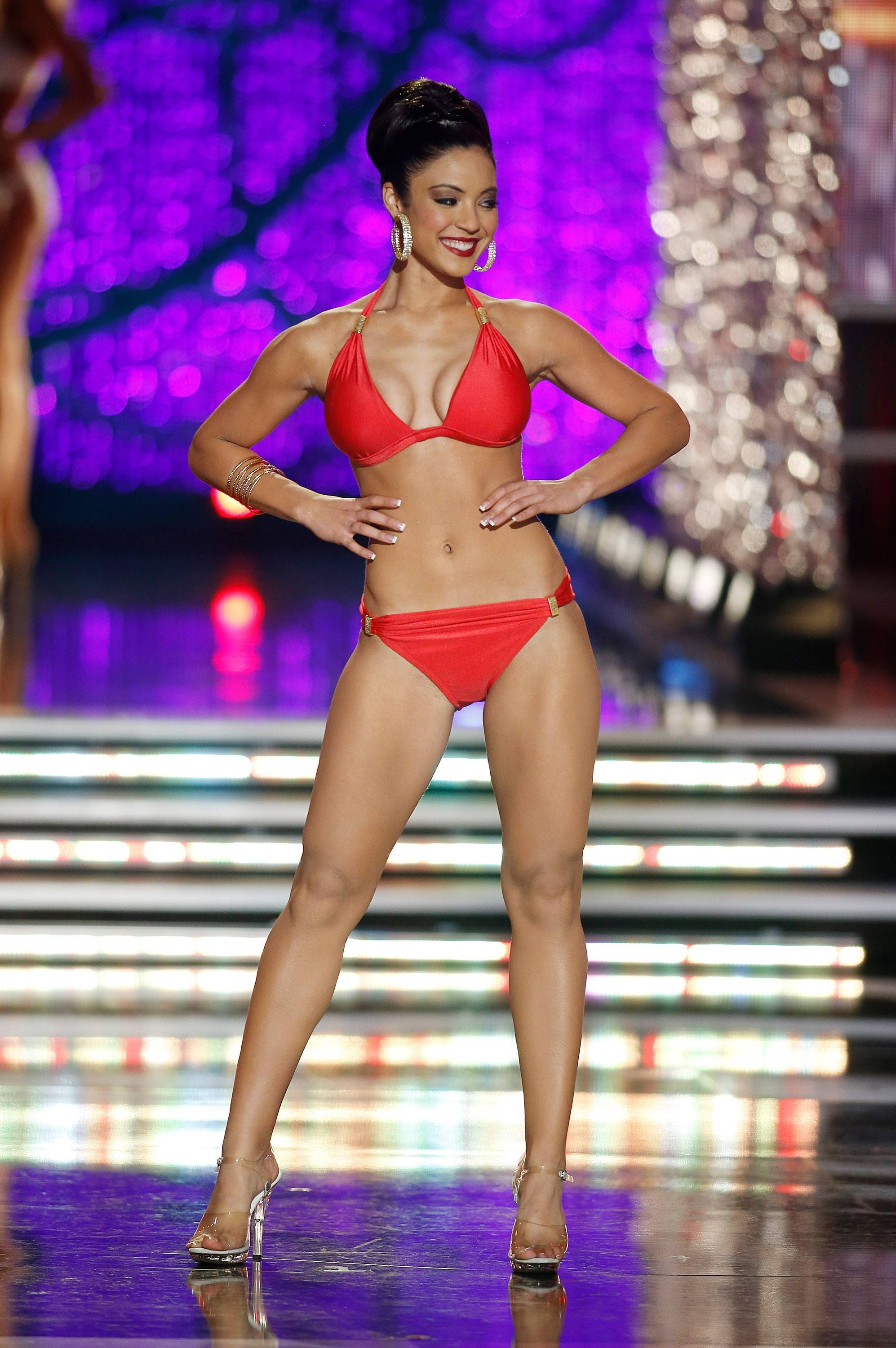 Miss Iowa Mariah Cary competes in the swimsuit portion of the Miss America 2013 pageant on Saturday, Jan. 12, 2013, in Las Vegas.