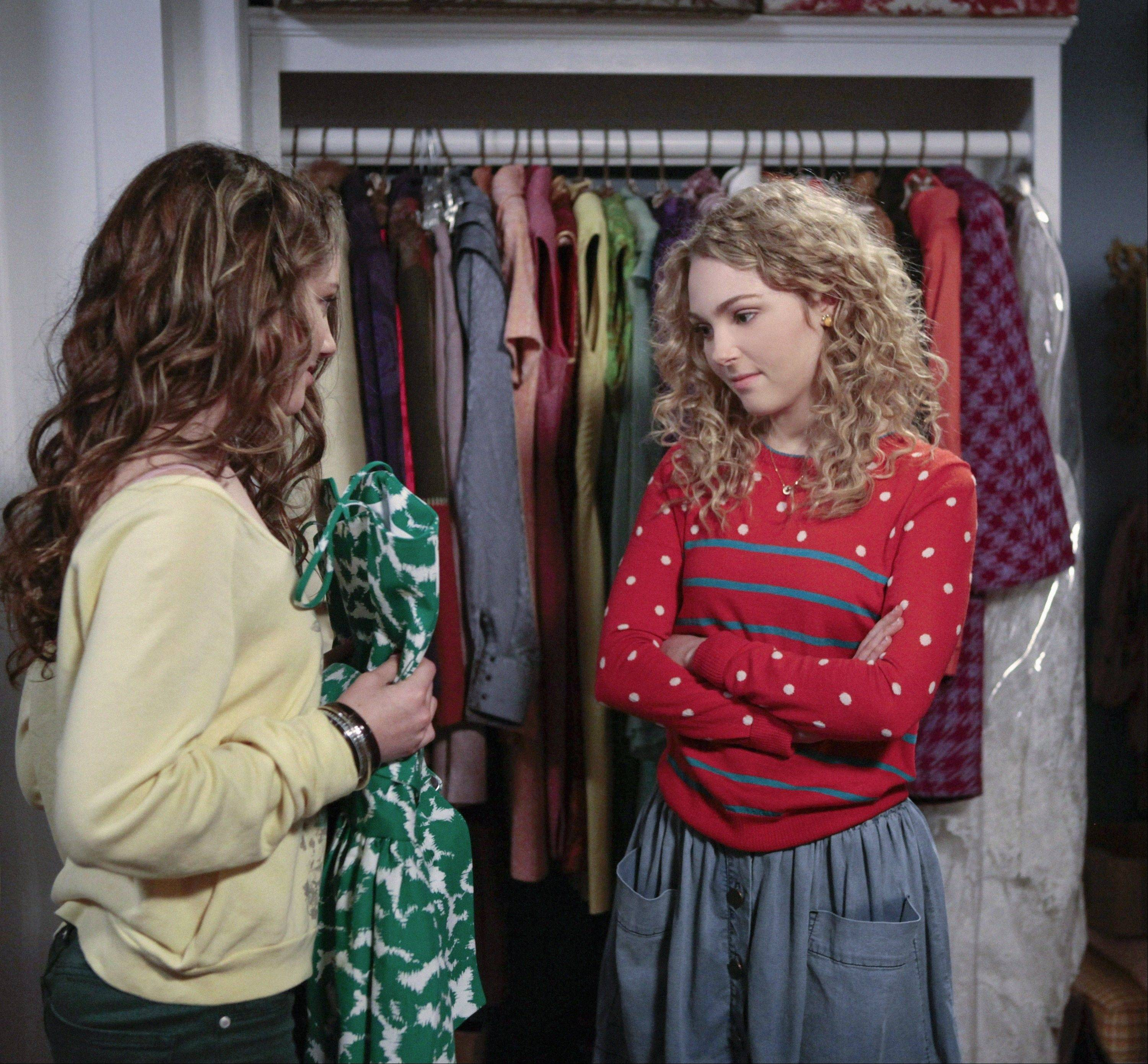 "A teen Carrie Bradshaw (AnnaSophia Robb), right, is just beginning to develop her voice and fashion flair in The CW's new drama ""The Carrie Diaries,"" a prequel to ""Sex and the City."""
