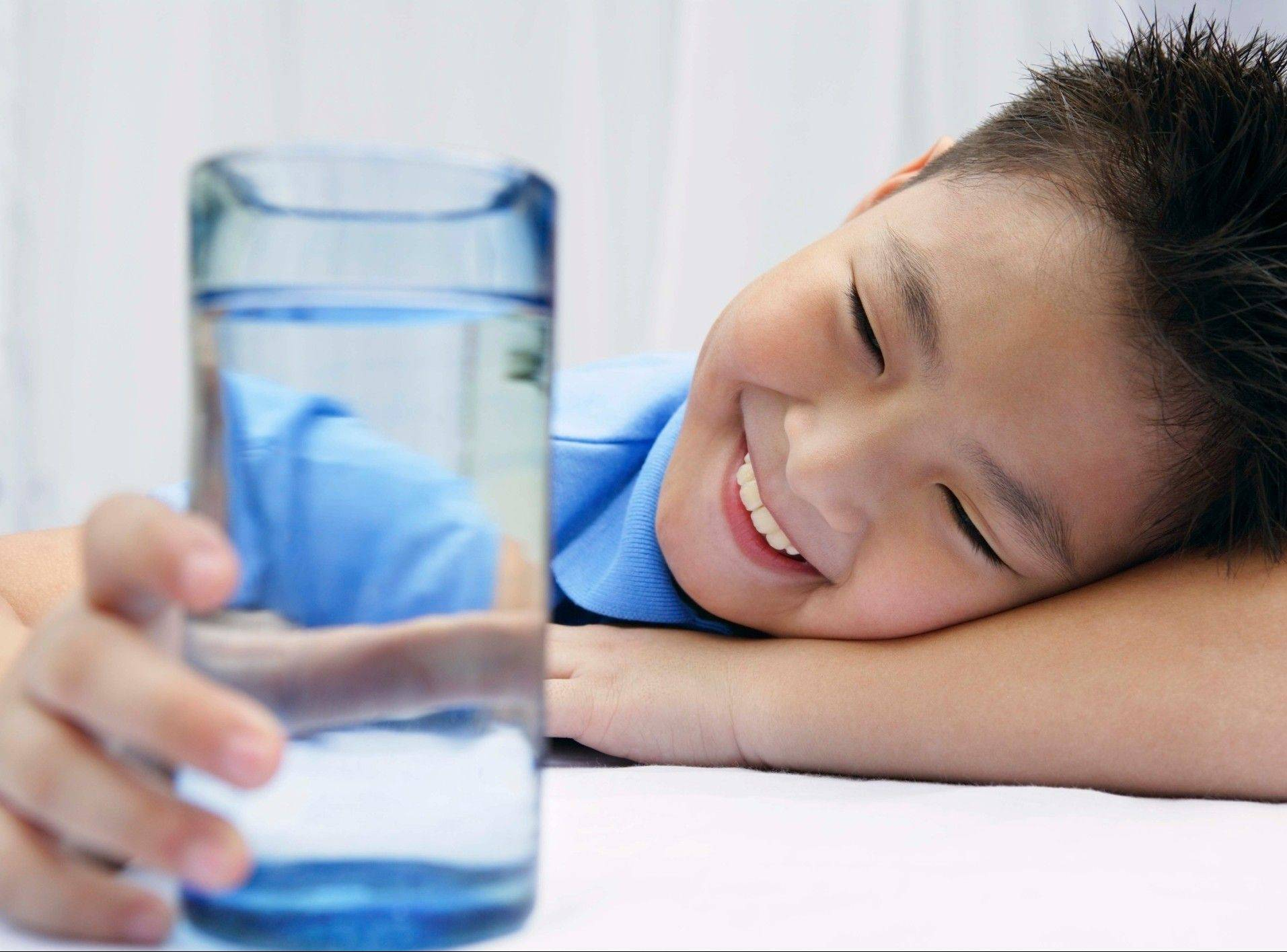 Children are encouraged to drink more water and less soda and juice, and now there's a website to help families achieve that goal.