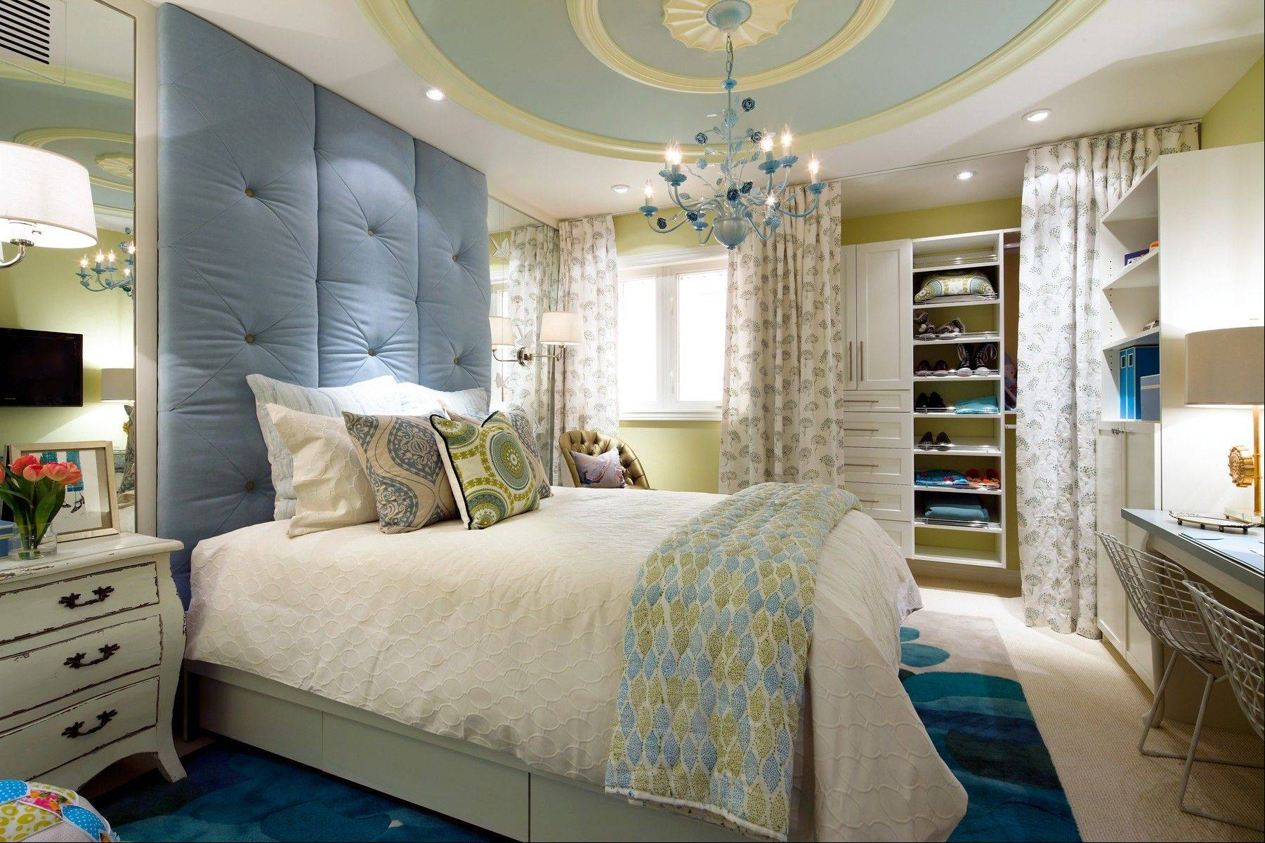 Kalista's room called for fresh and energetic greens, watery blues and soft yellows.