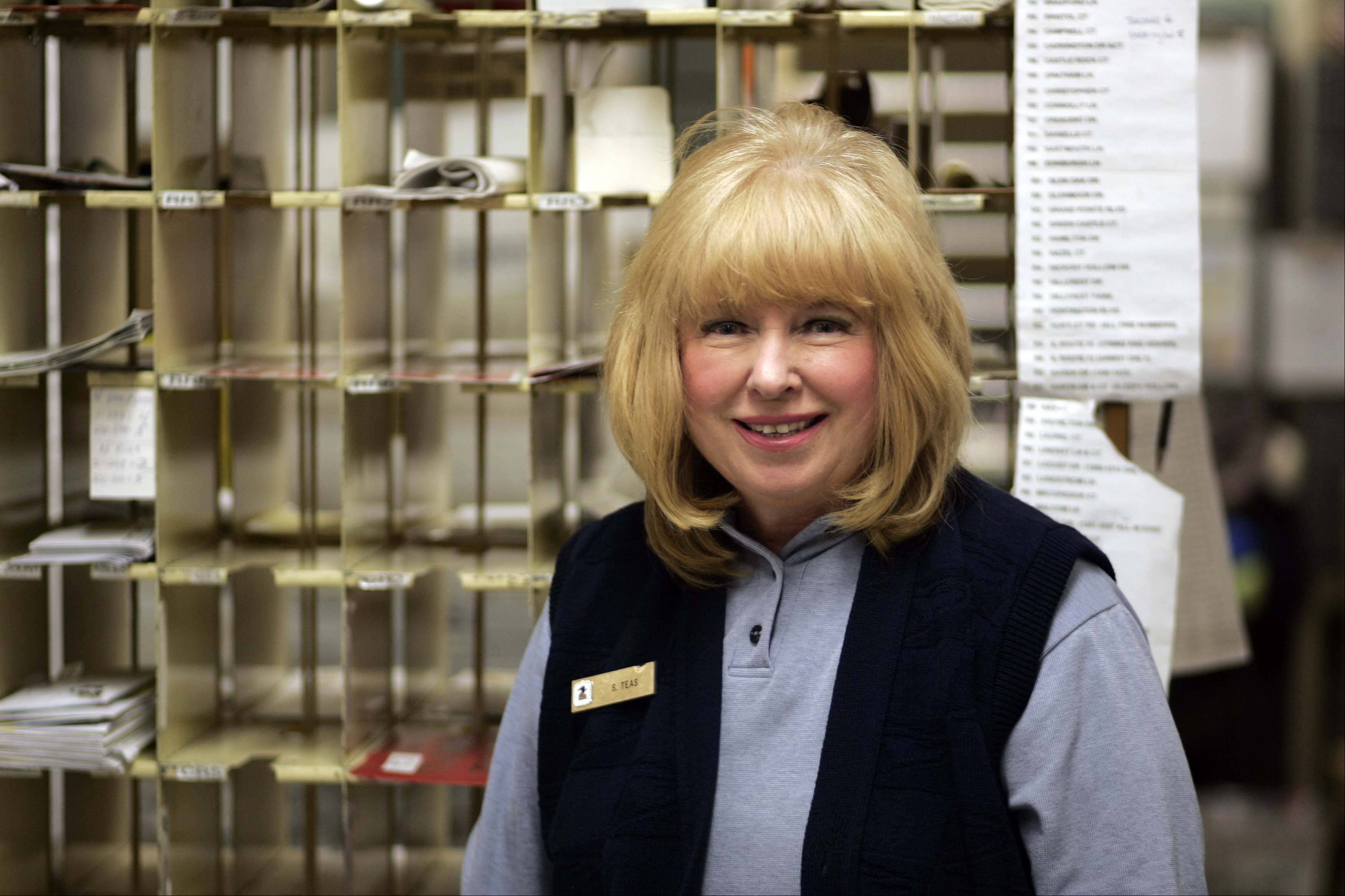 Sue Teas will retire from the West Dundee post office after 29 years.