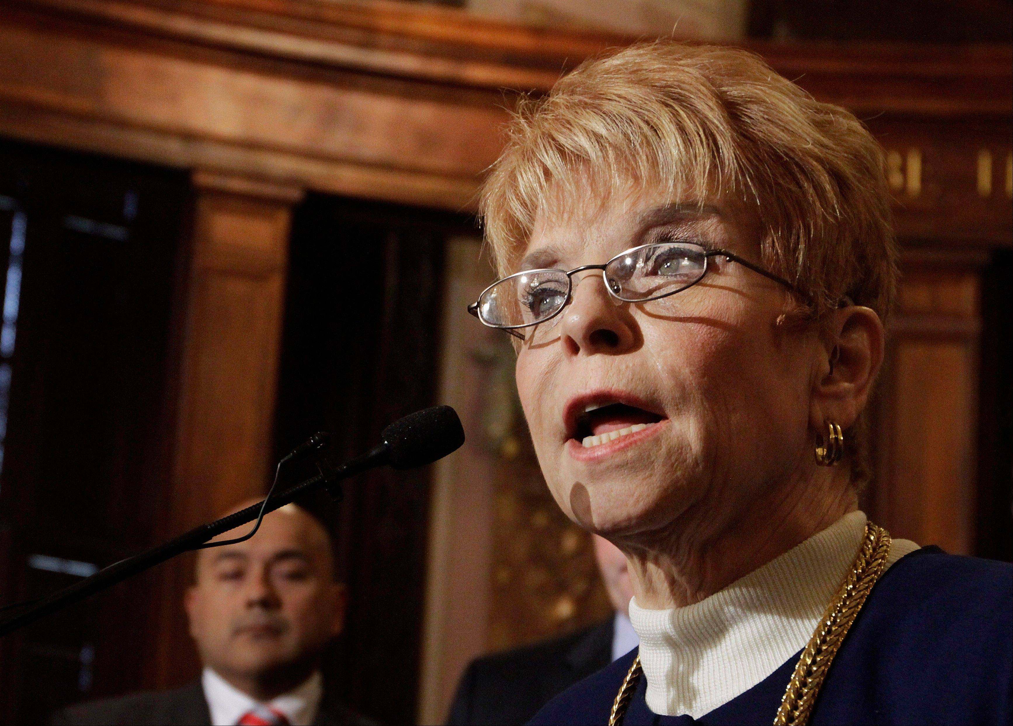 Illinois Comptroller Judy Baar Topinka is resisting short-term loans as a way for Illinois to pay down stacks of invoices overdue by as much as four months to businesses, charities and local governments performing some of the stateís most important services.