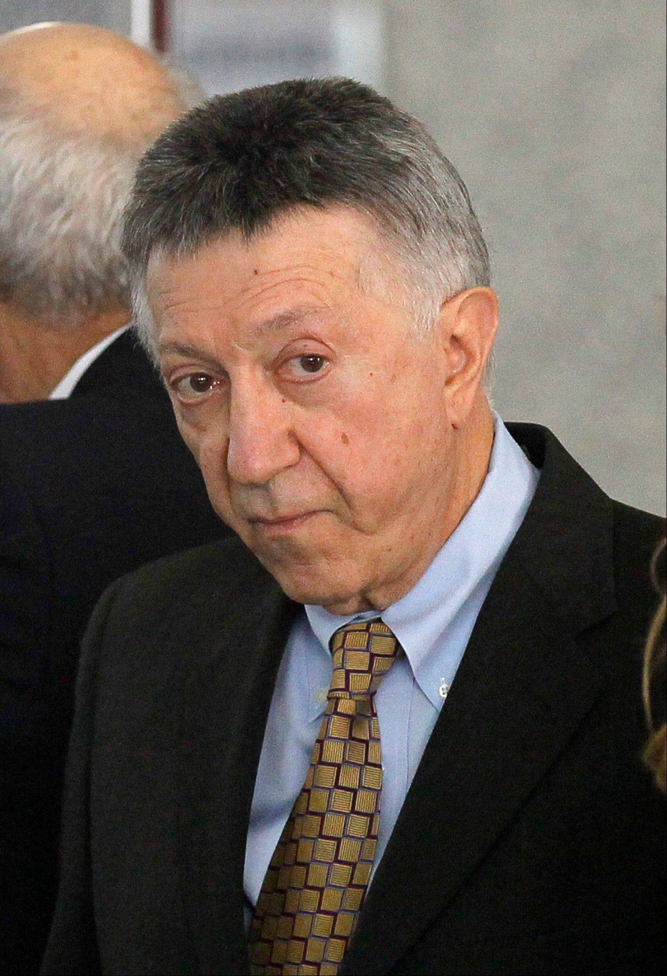 Ex-Illinois power broker Cellini reports to Indiana prison