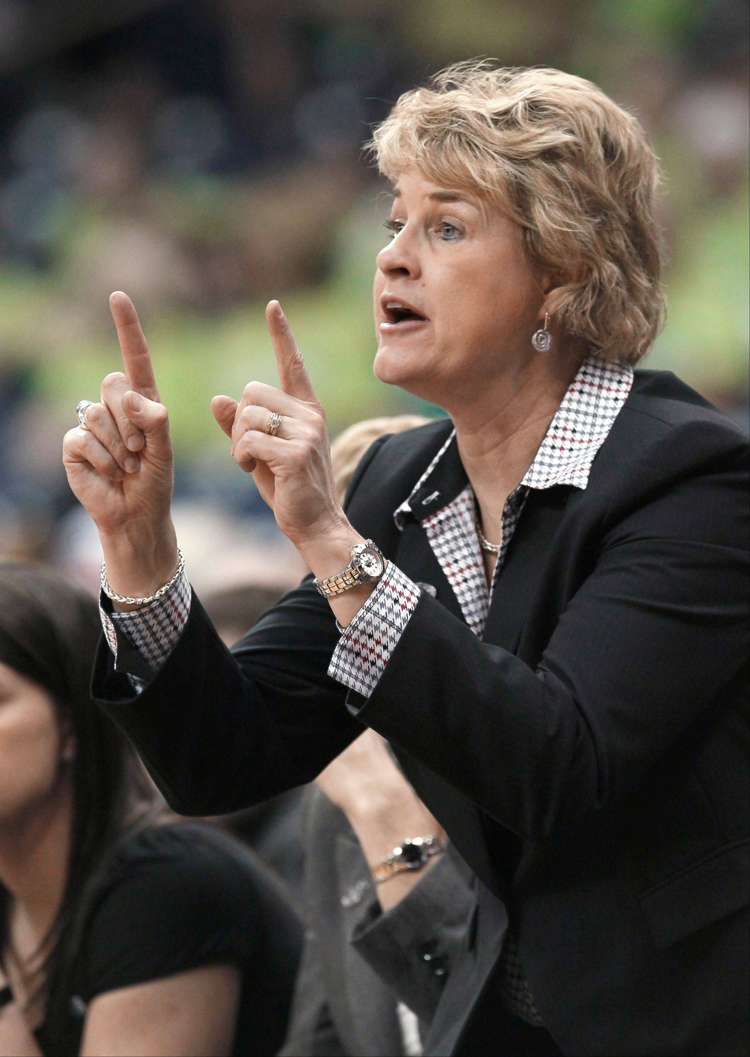 Iowa basketball coach Lisa Bluder is just the 25th Division I head coach to reach the 600-win milestone.