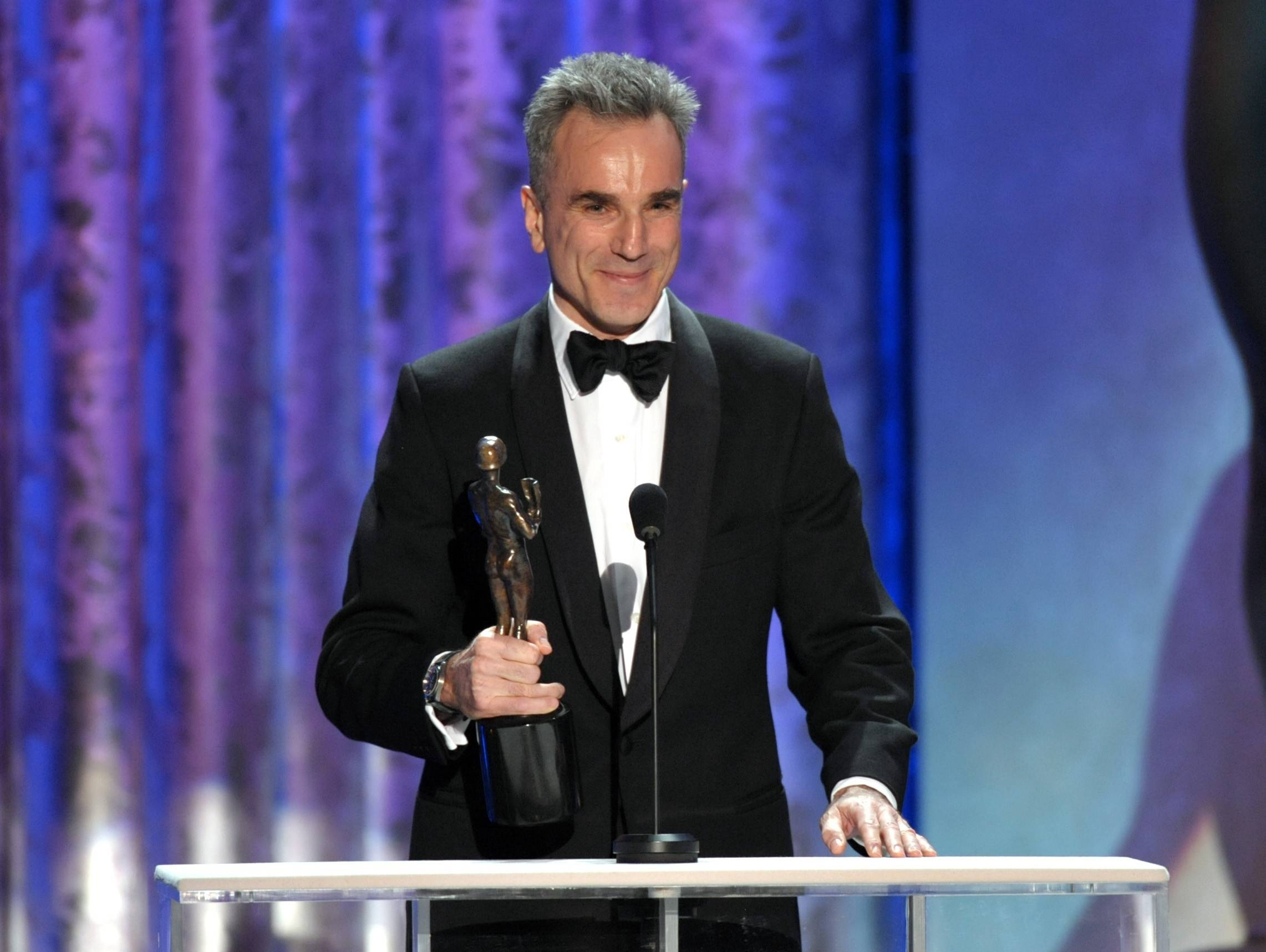 "Daniel Day-Lewis accepts the SAG Award for his role in ""Lincoln."""