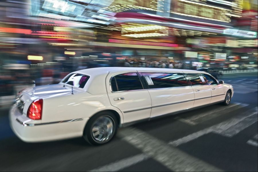 Fox Lake Elementary District 114 taxpayers covered a $170 limousine ride for seven board members and five administrators to go from the hotel to a restaurant less than a mile away and back at a conference in November.