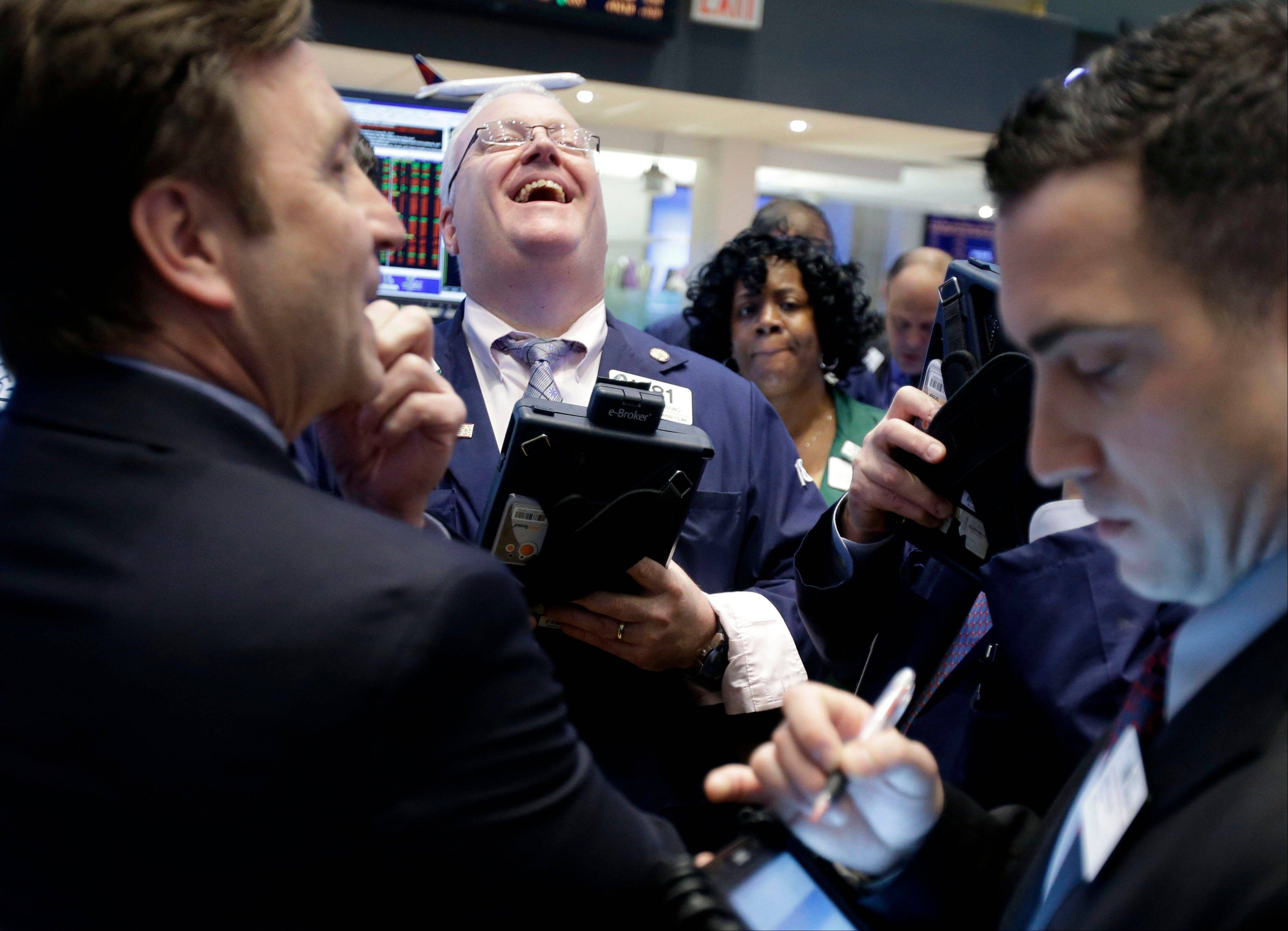 ASSOCIATED PRESS U.S. stocks fell, trimming the best January rally for the Dow Jones Industrial Average since 1994, on disappointing earnings as investors weighed economic data ahead of tomorrow�s jobs report.