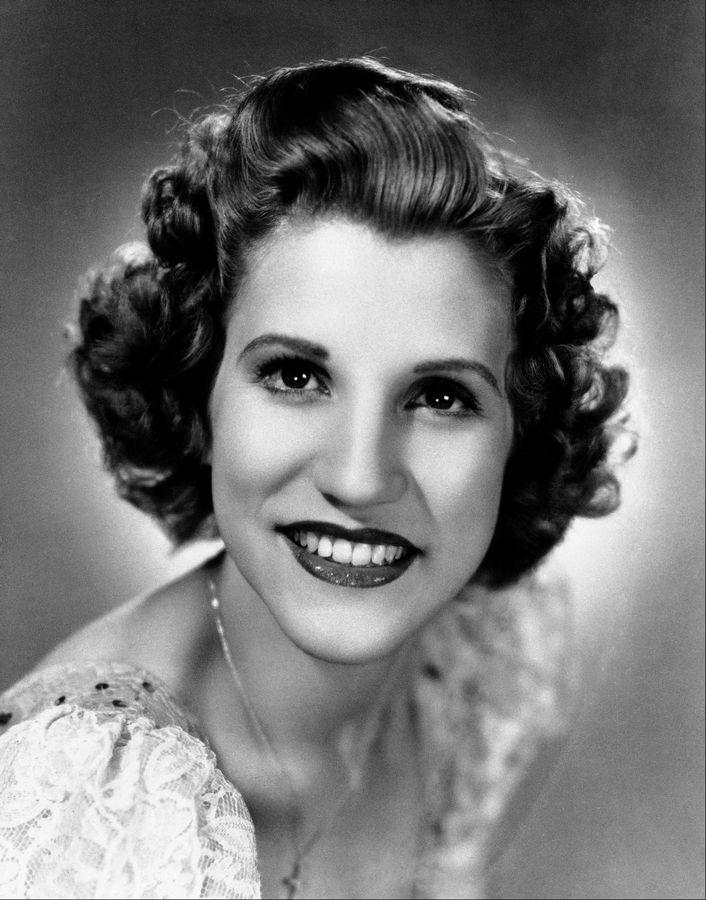 Patty Andrews of singing Andrews Sisters dies at 94